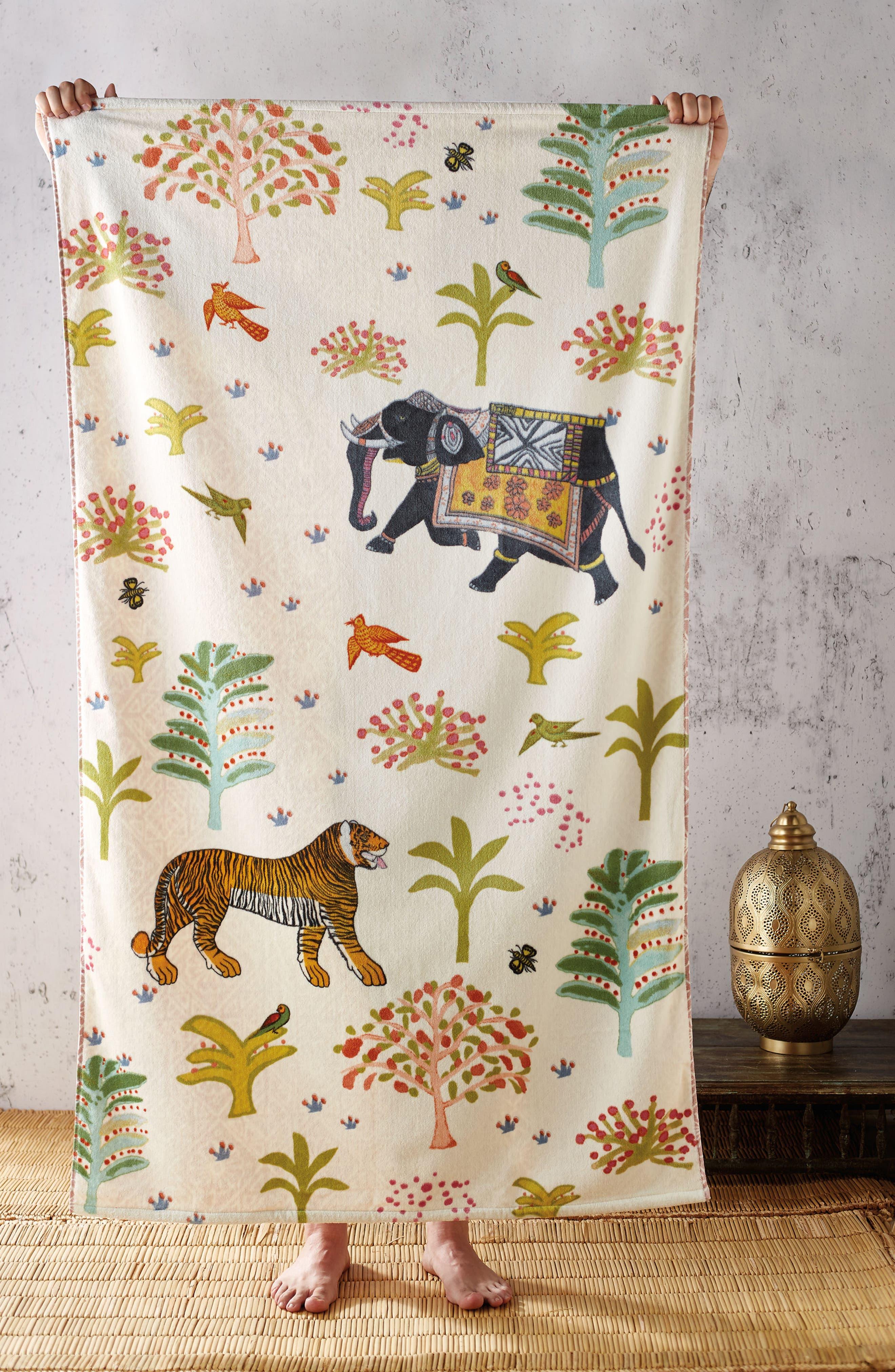 Masai Mara Resort Towel,                             Alternate thumbnail 3, color,                             Cream Ground