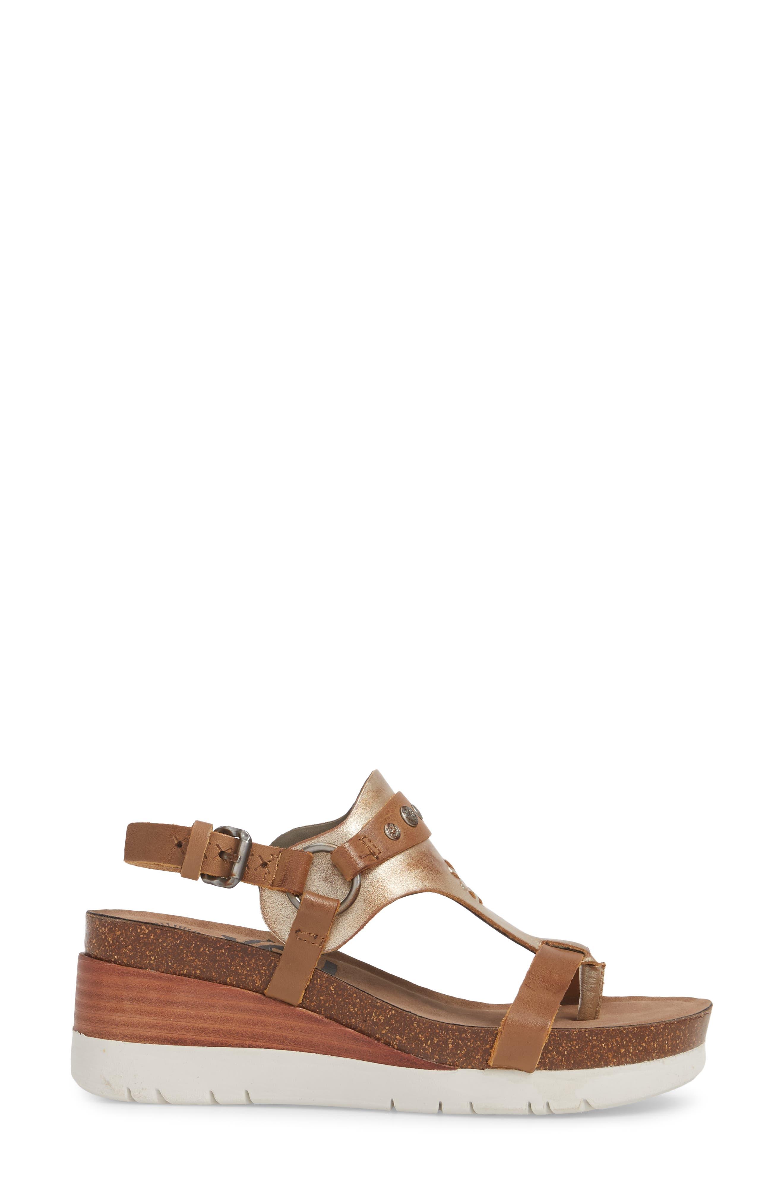 Maverick Wedge Sandal,                             Alternate thumbnail 3, color,                             New Taupe Leather