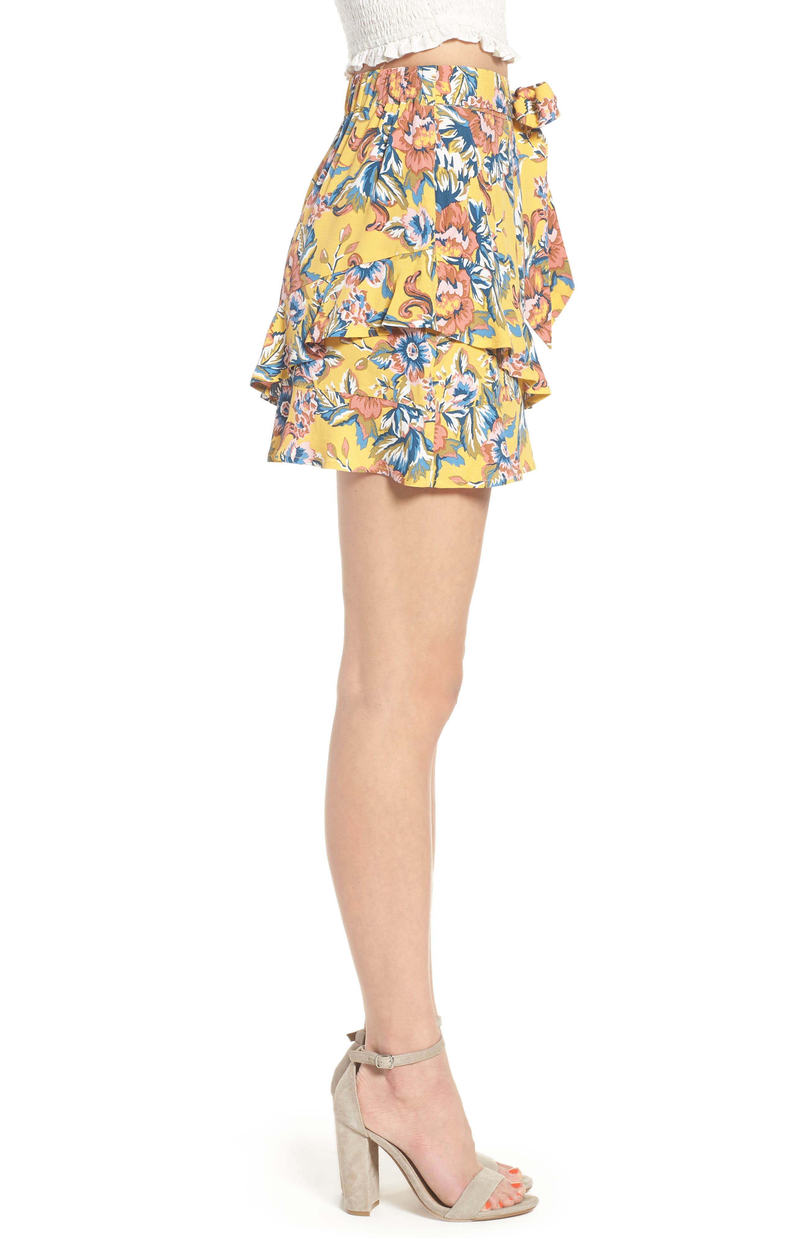 Print Ruffle Shorts,                             Alternate thumbnail 4, color,                             Yellow Ochre Tapestry Floral