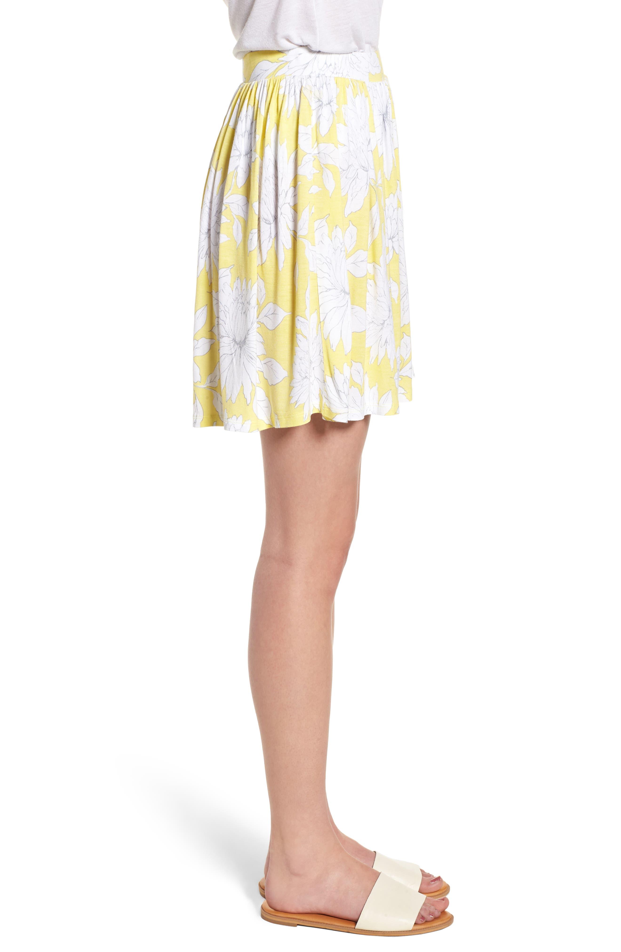 Print Wide Leg Shorts,                             Alternate thumbnail 3, color,                             Yellow Glow Grunge Floral