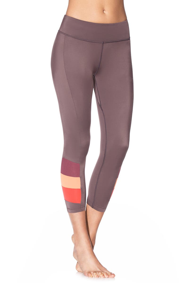 Hues Capri Leggings
