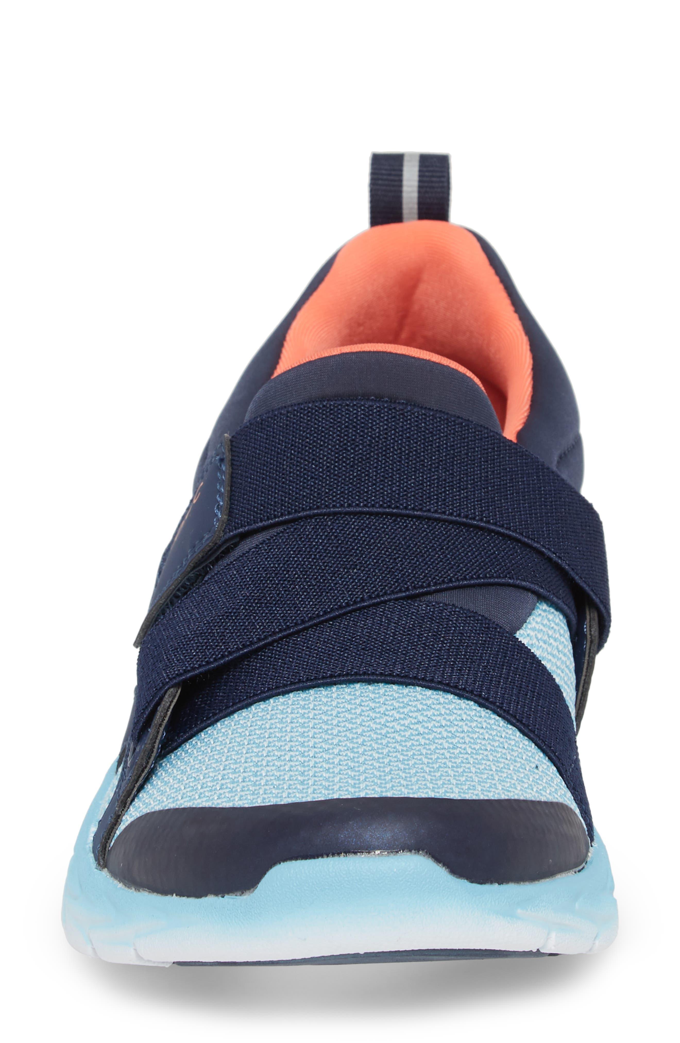 Dash Sneaker,                             Alternate thumbnail 4, color,                             Navy/ Light Blue Fabric
