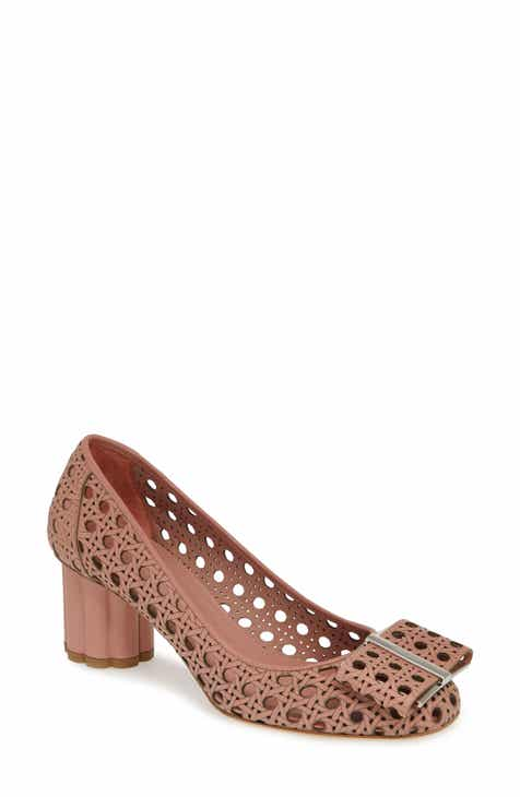 024ff1193 Salvatore Ferragamo Capua Perforated Pump (Women)