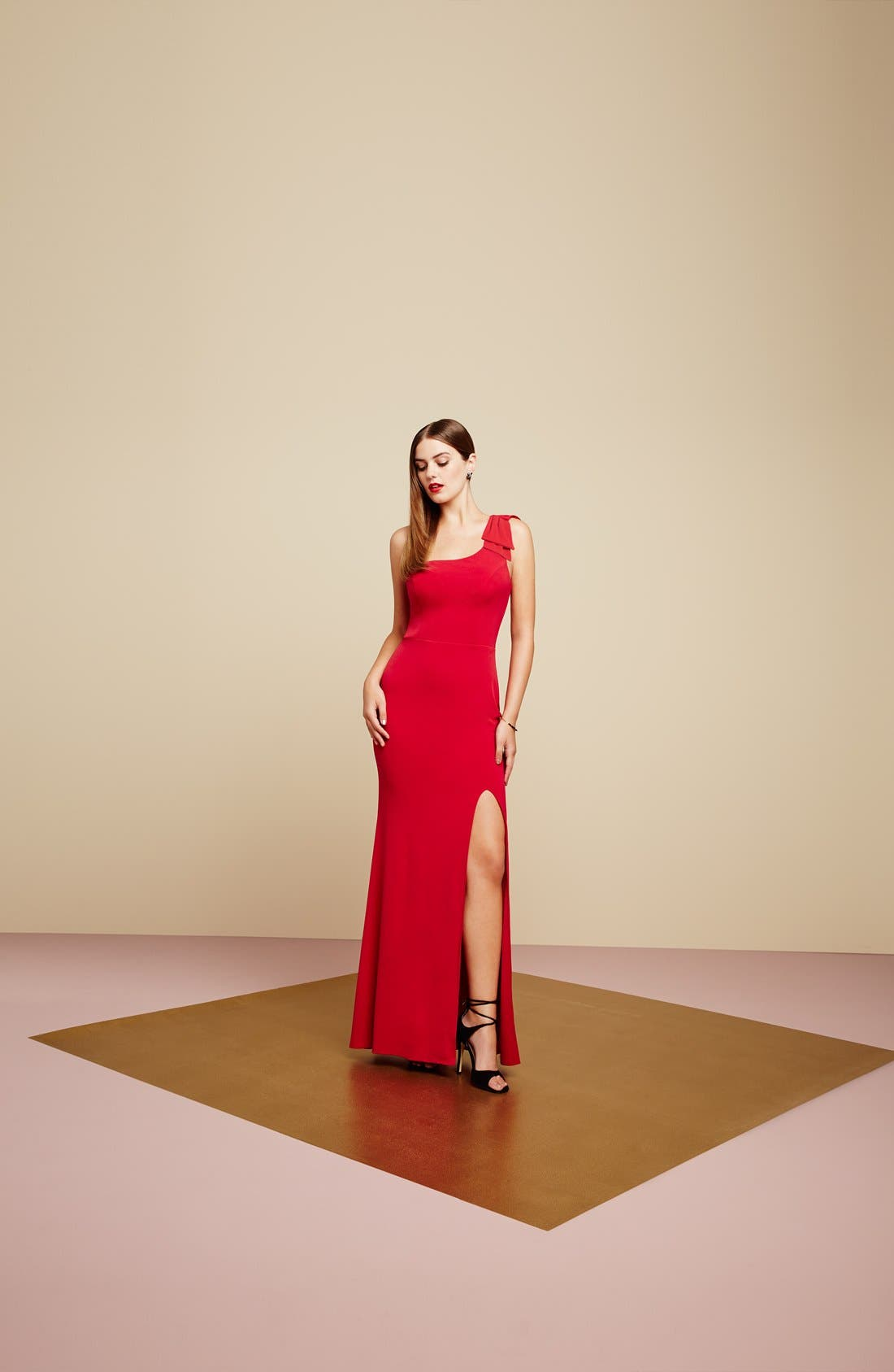 Alternate Image 7  - Way-In 'Kelly' One-Shoulder Gown
