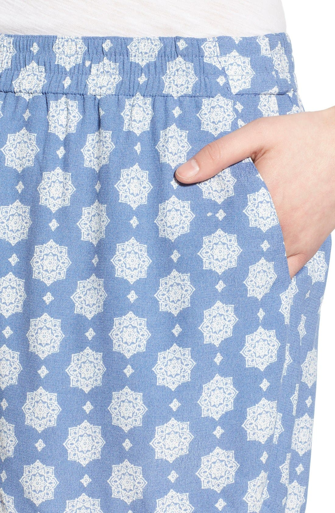 Alternate Image 4  - BP. Woven Print Shorts