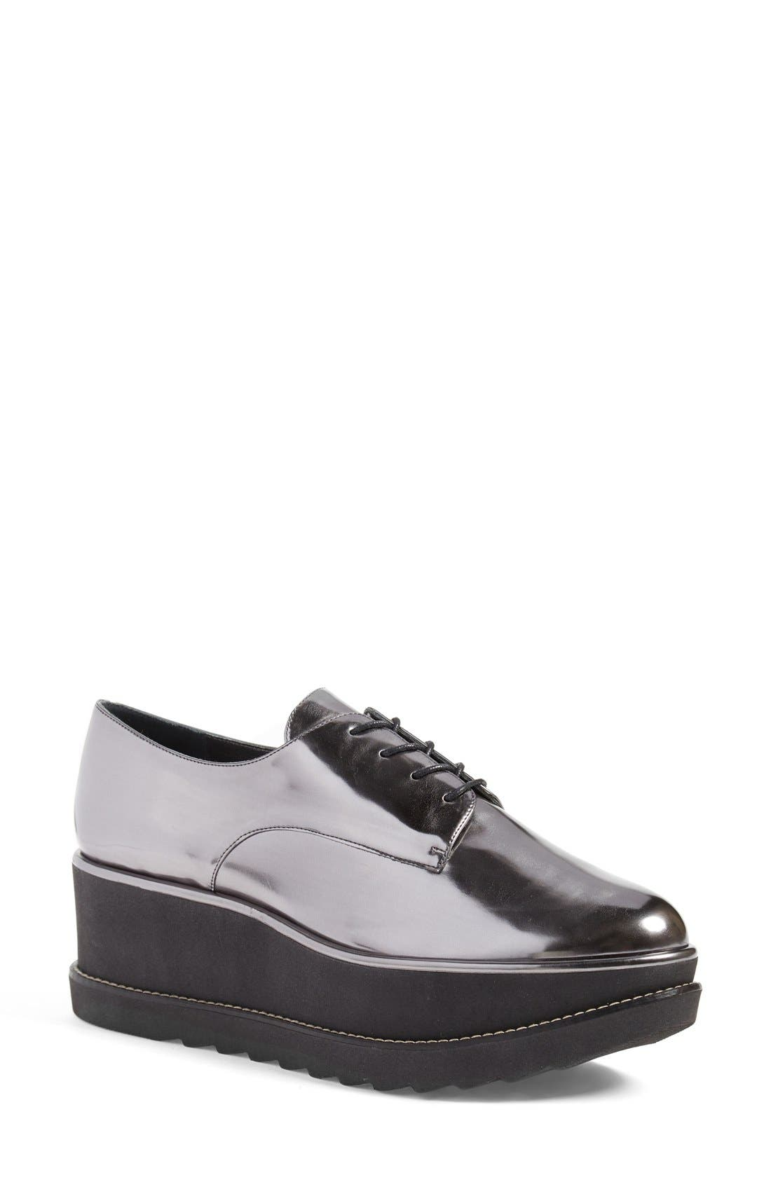 Alternate Image 1 Selected - Stuart Weitzman 'Kent' Flatform Oxford (Women)