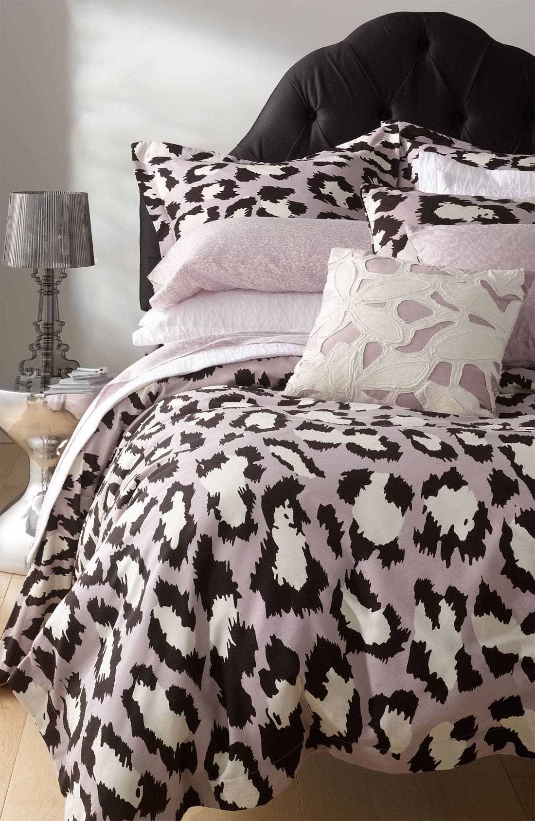 Alternate Image 4  - Diane von Furstenberg 'Tiny Leopard' 300 Thread Count Fitted Sheet