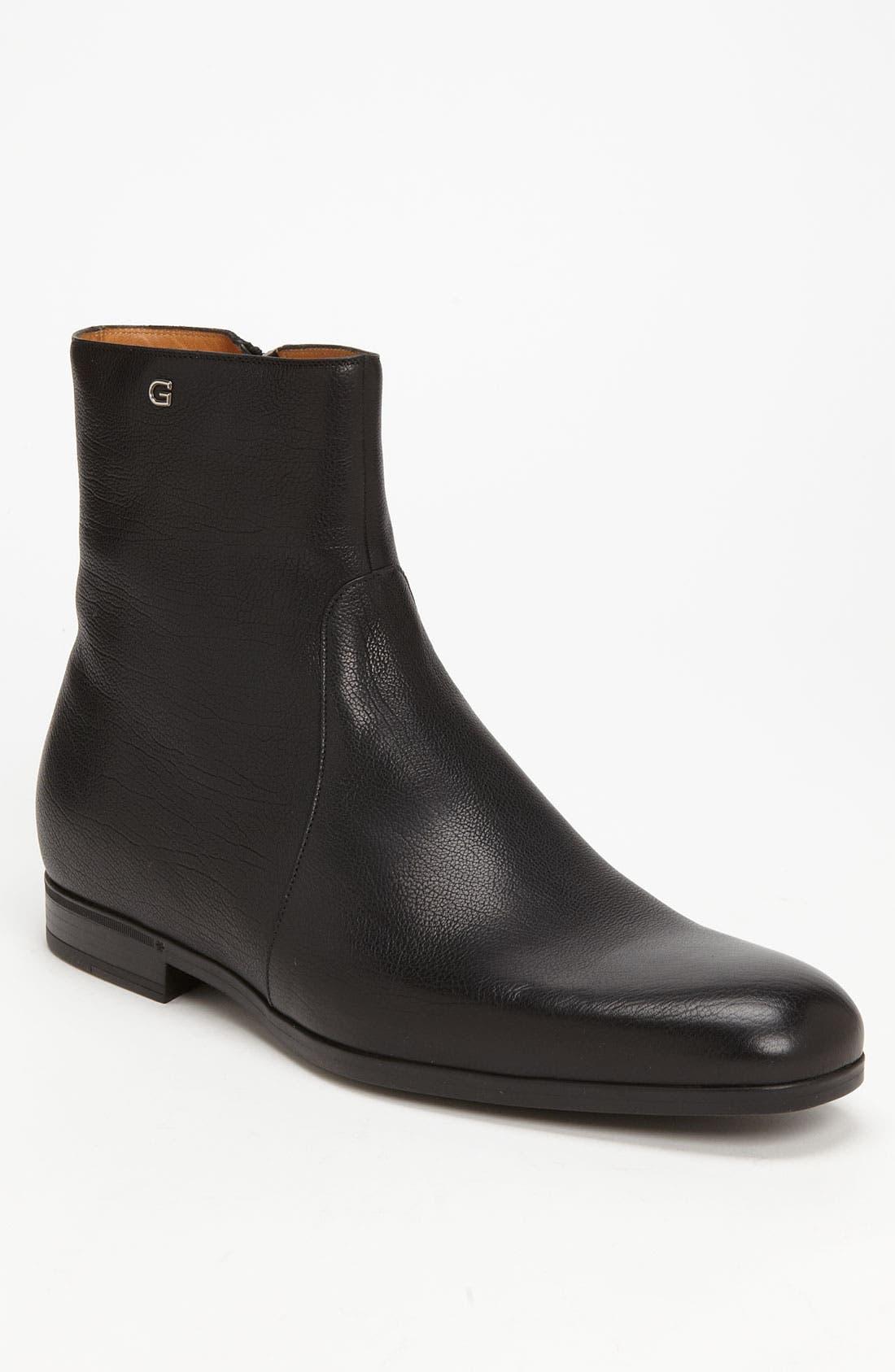 Main Image - Gucci 'Deroy' Plain Toe Boot