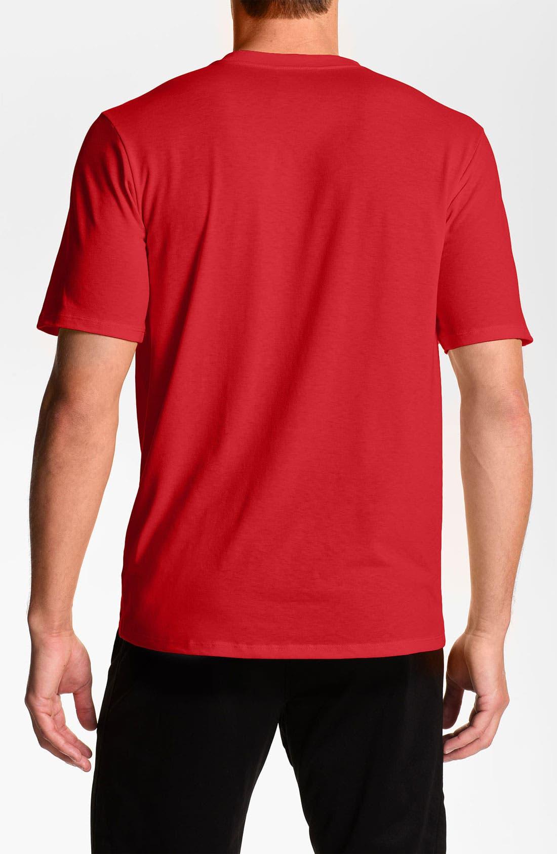 Alternate Image 2  - The North Face 'Reaxion' VaporWick® Crewneck Shirt