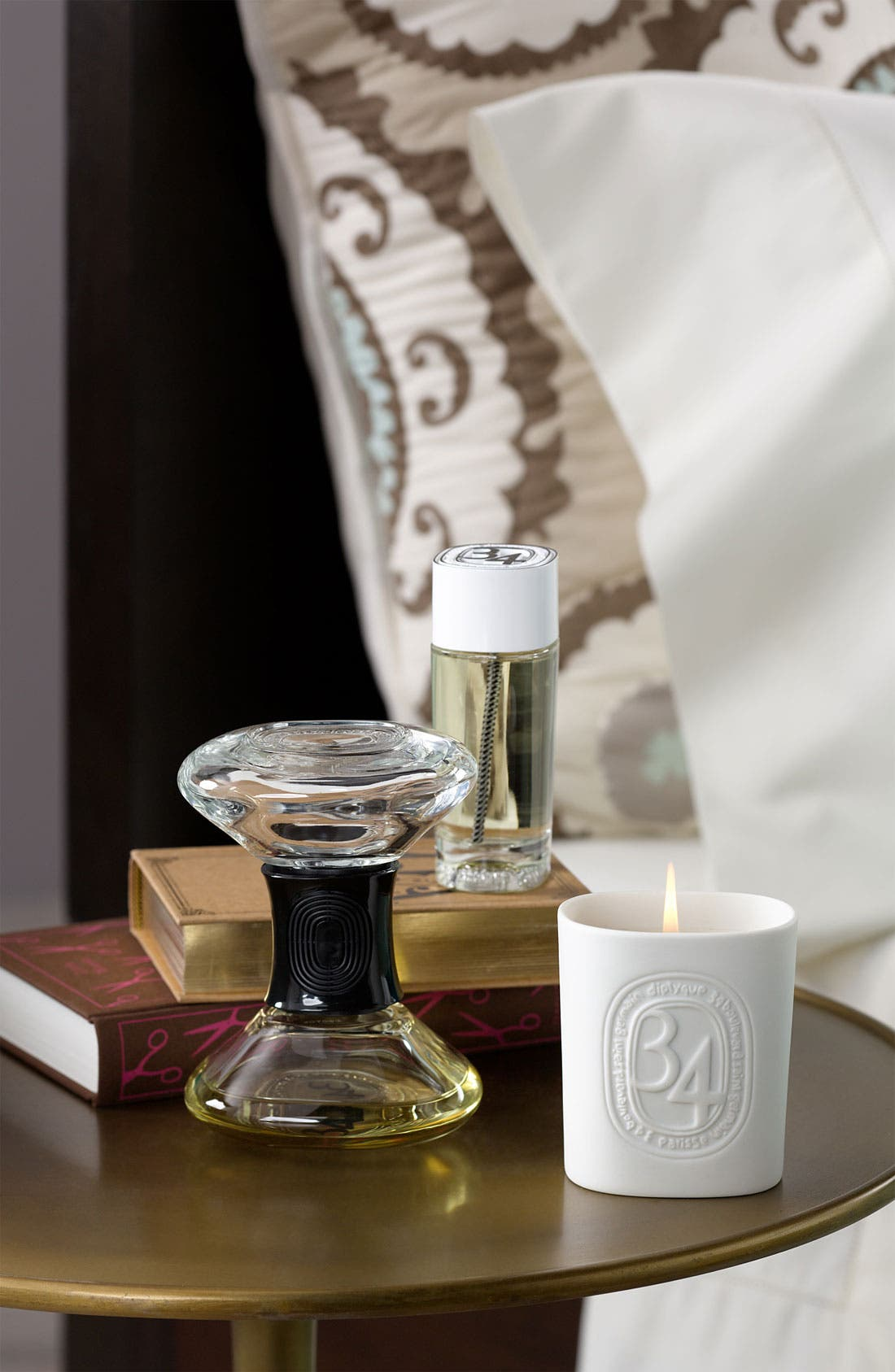 Alternate Image 2  - diptyque '34 Boulevard Saint Germain' Hourglass Room Diffuser Refill