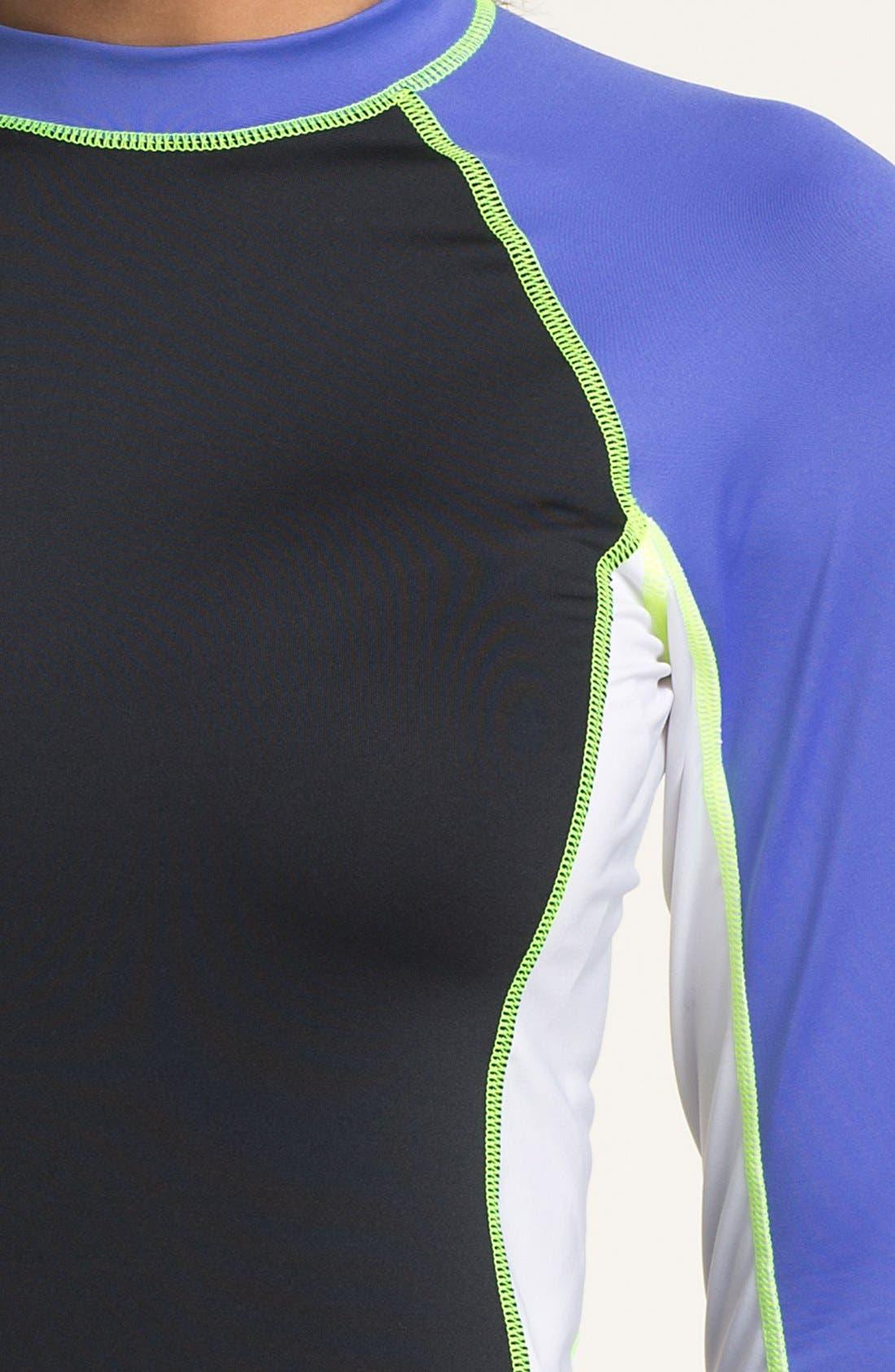 Alternate Image 3  - Nike Rashguard Tee