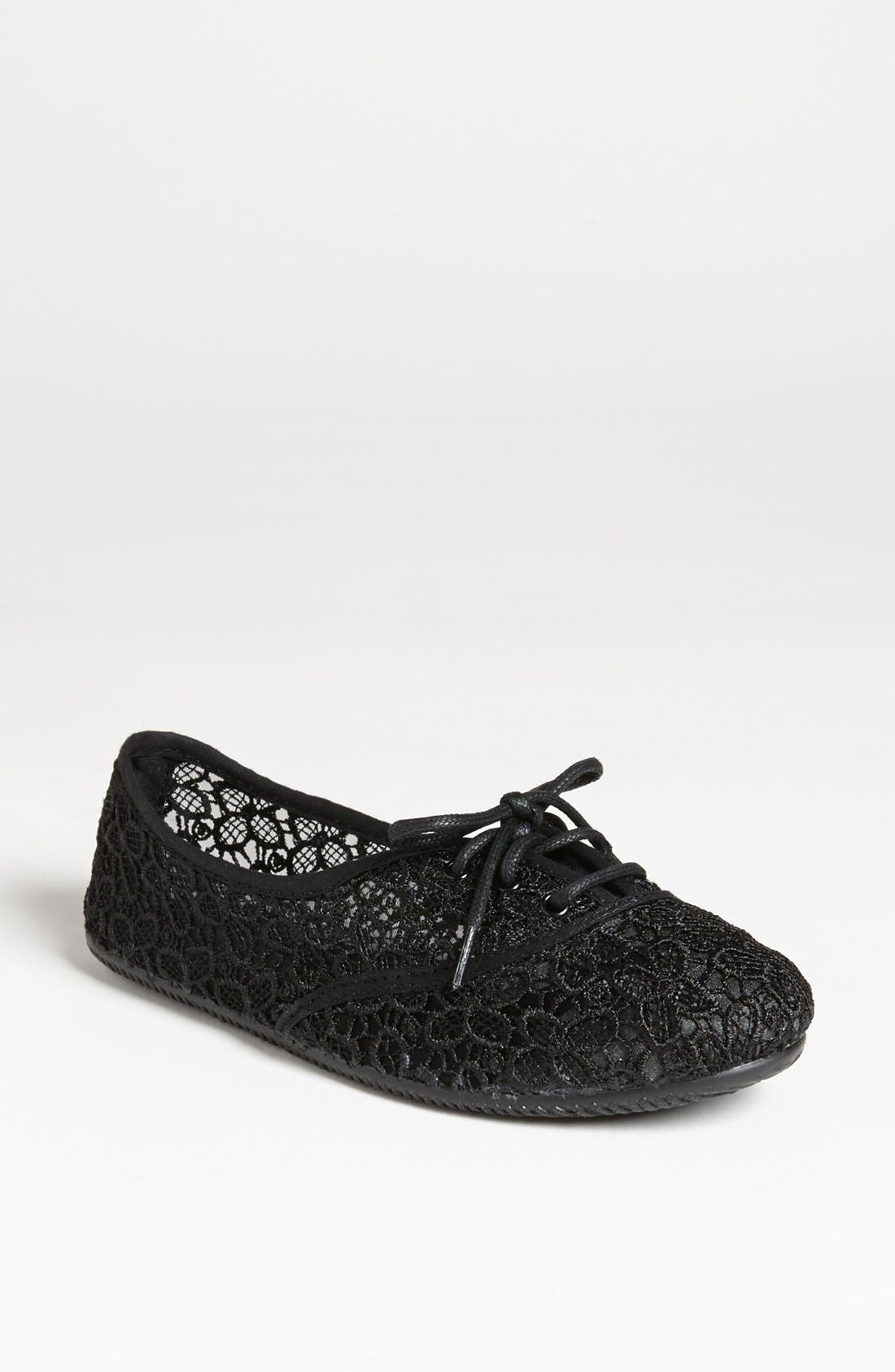 Alternate Image 1 Selected - Topshop 'Twister' Flat