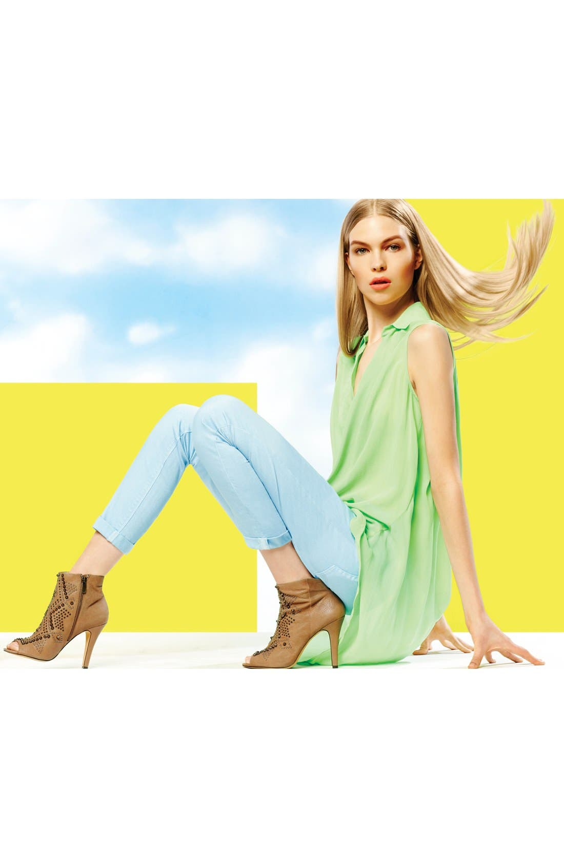 Alternate Image 8  - Two by Vince Camuto Skinny Jeans (Pale Blue)