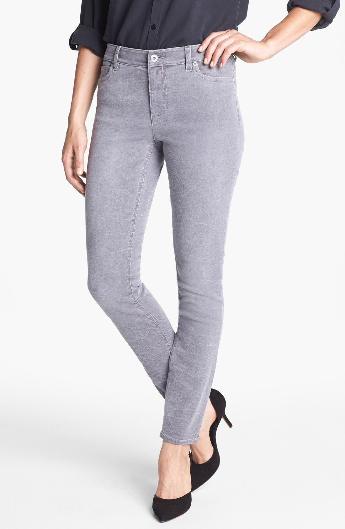 Alternate Image 1  - Two by Vince Camuto Sand Washed Skinny Jeans (Sandy Grey)