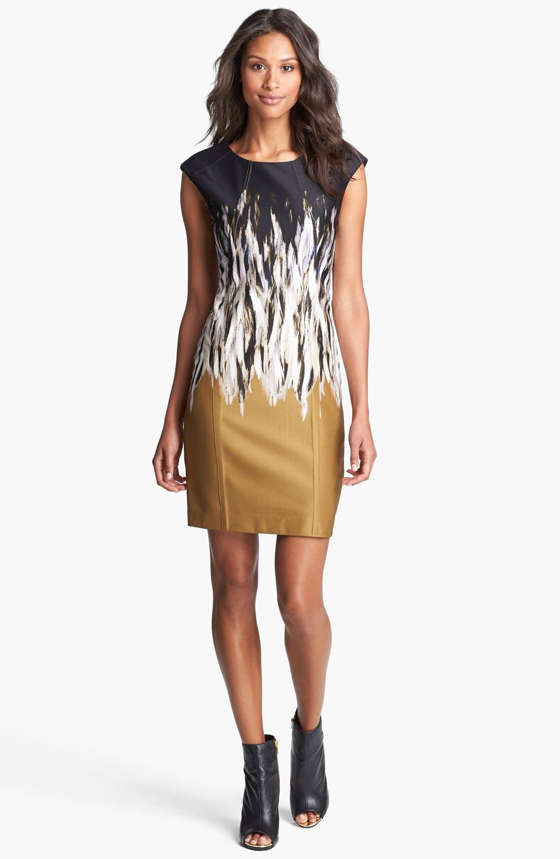 Alternate Image 1 Selected - Vince Camuto Print Sheath Dress