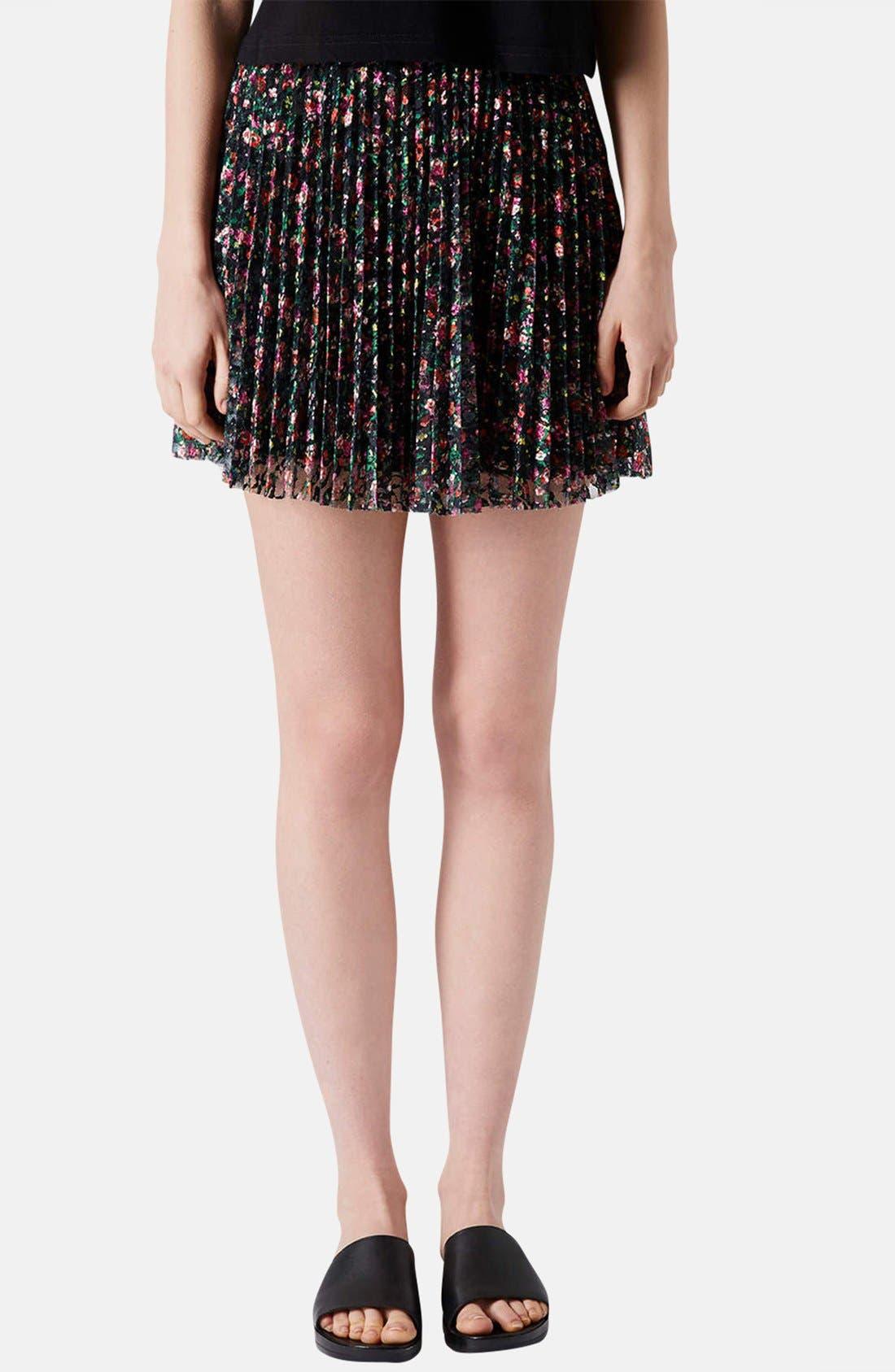 Main Image - Topshop Floral Lace Pleat Miniskirt