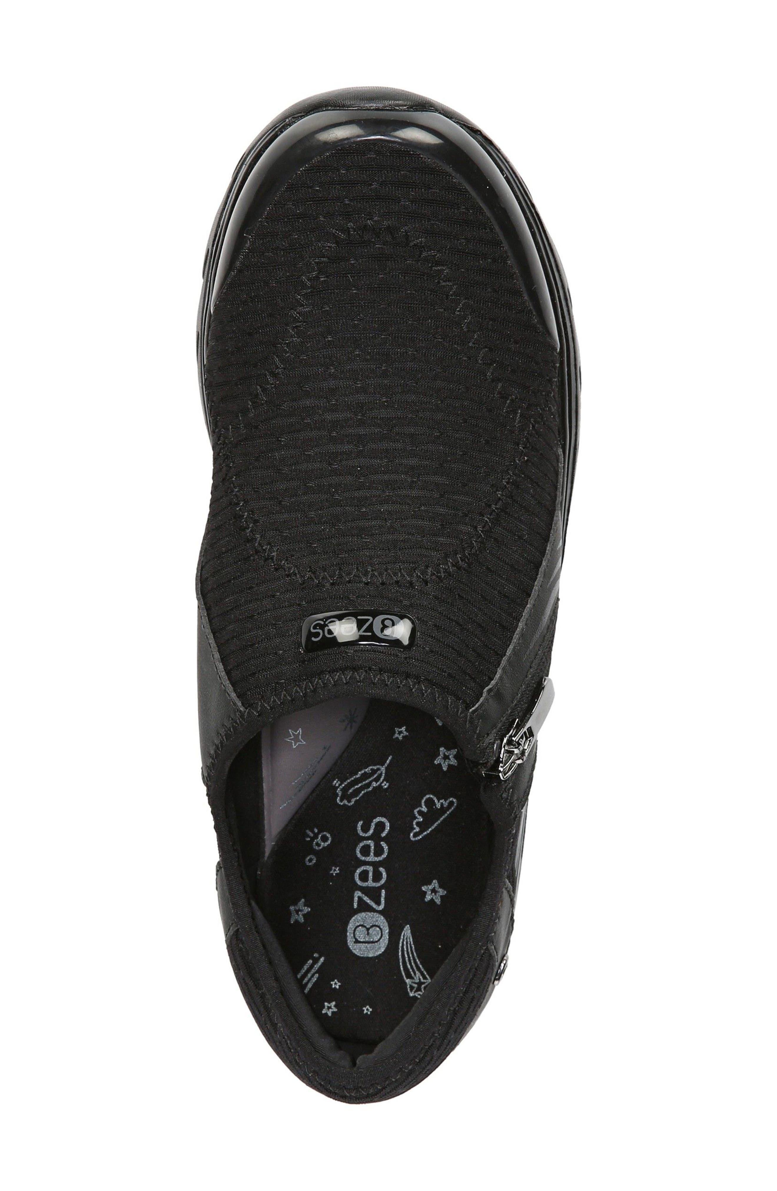 Balance Sneaker,                             Alternate thumbnail 3, color,                             Black Oval Fabric