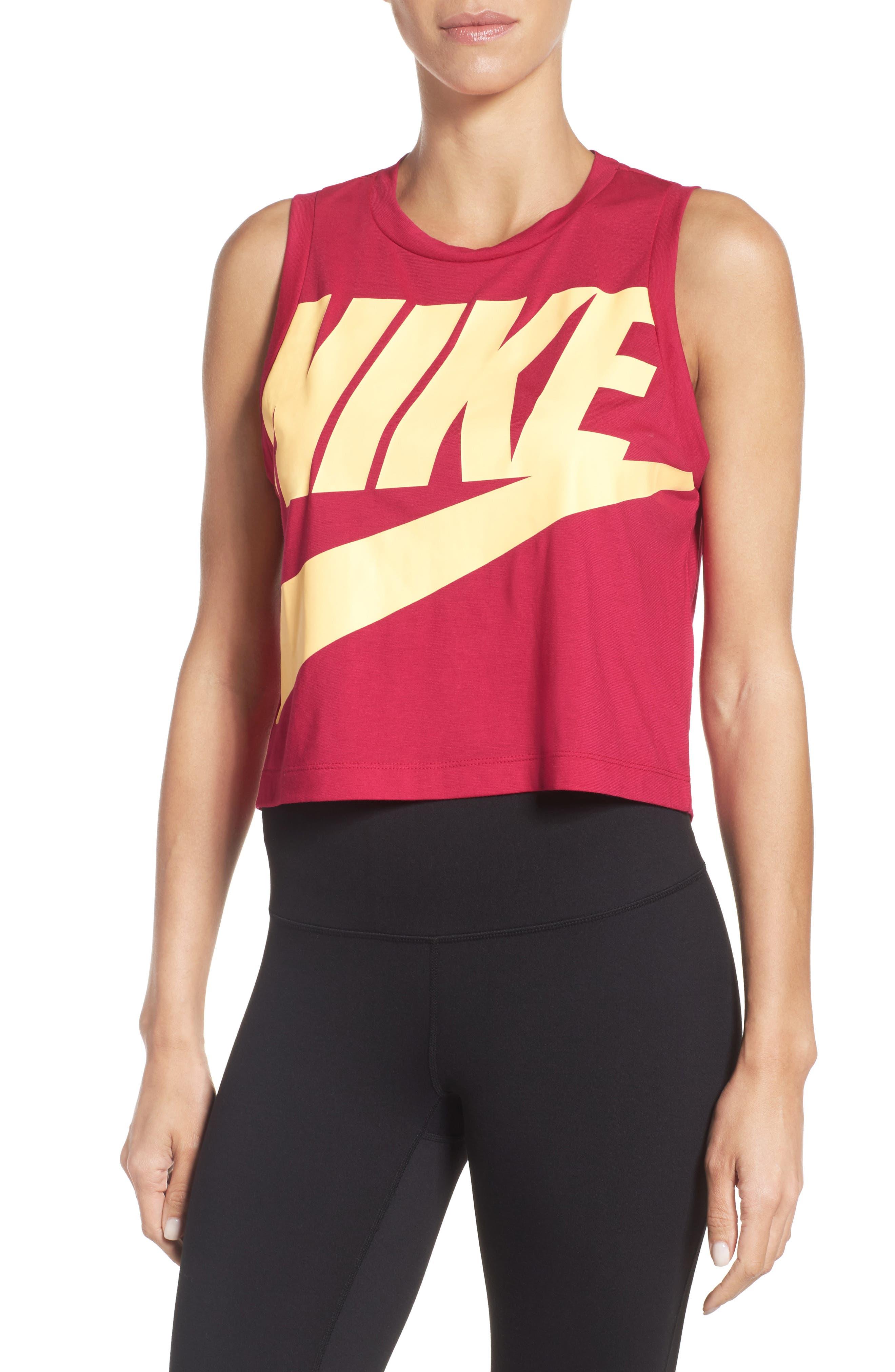 Nike Sportswear Essential Crop Tee