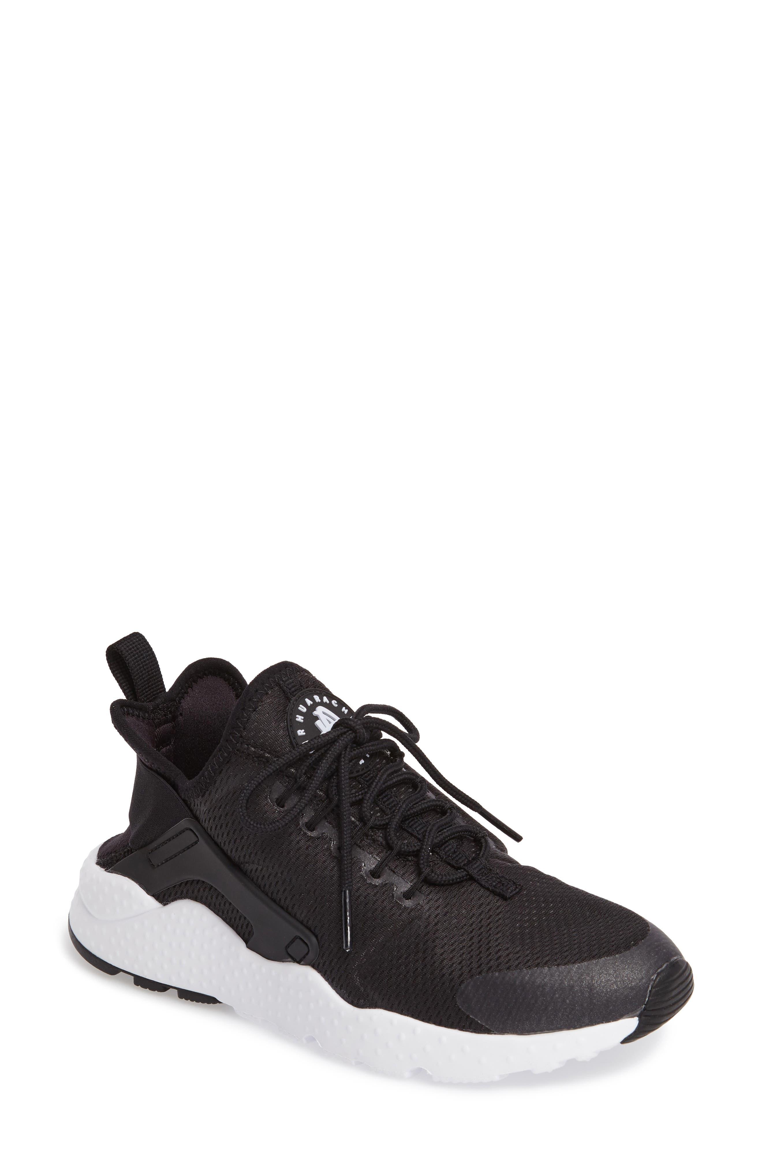 Nike Air Huarache Sneaker (Women)