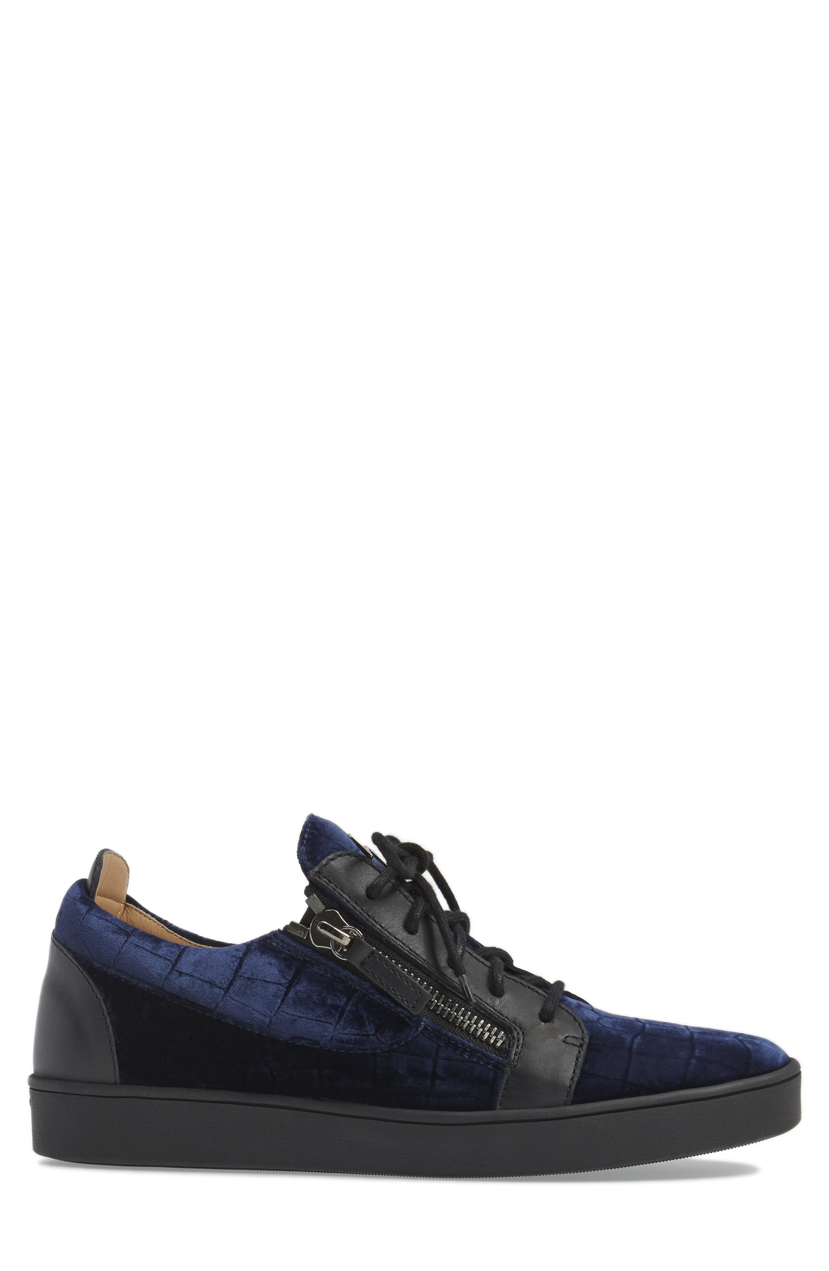 Low Top Sneaker,                             Alternate thumbnail 3, color,                             Navy