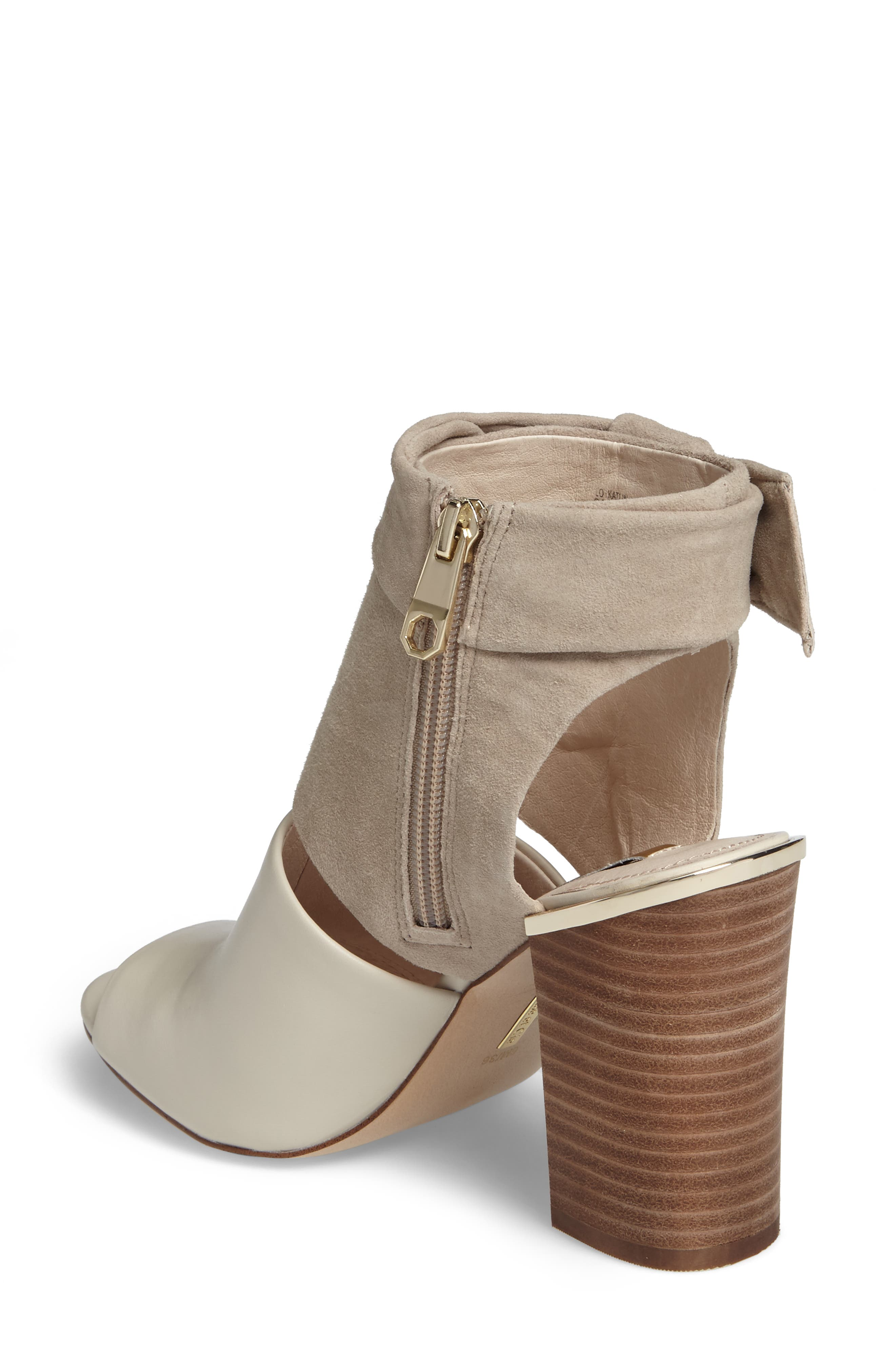 Alternate Image 2  - Louise et Cit Katlin Block Heel Sandal (Women)