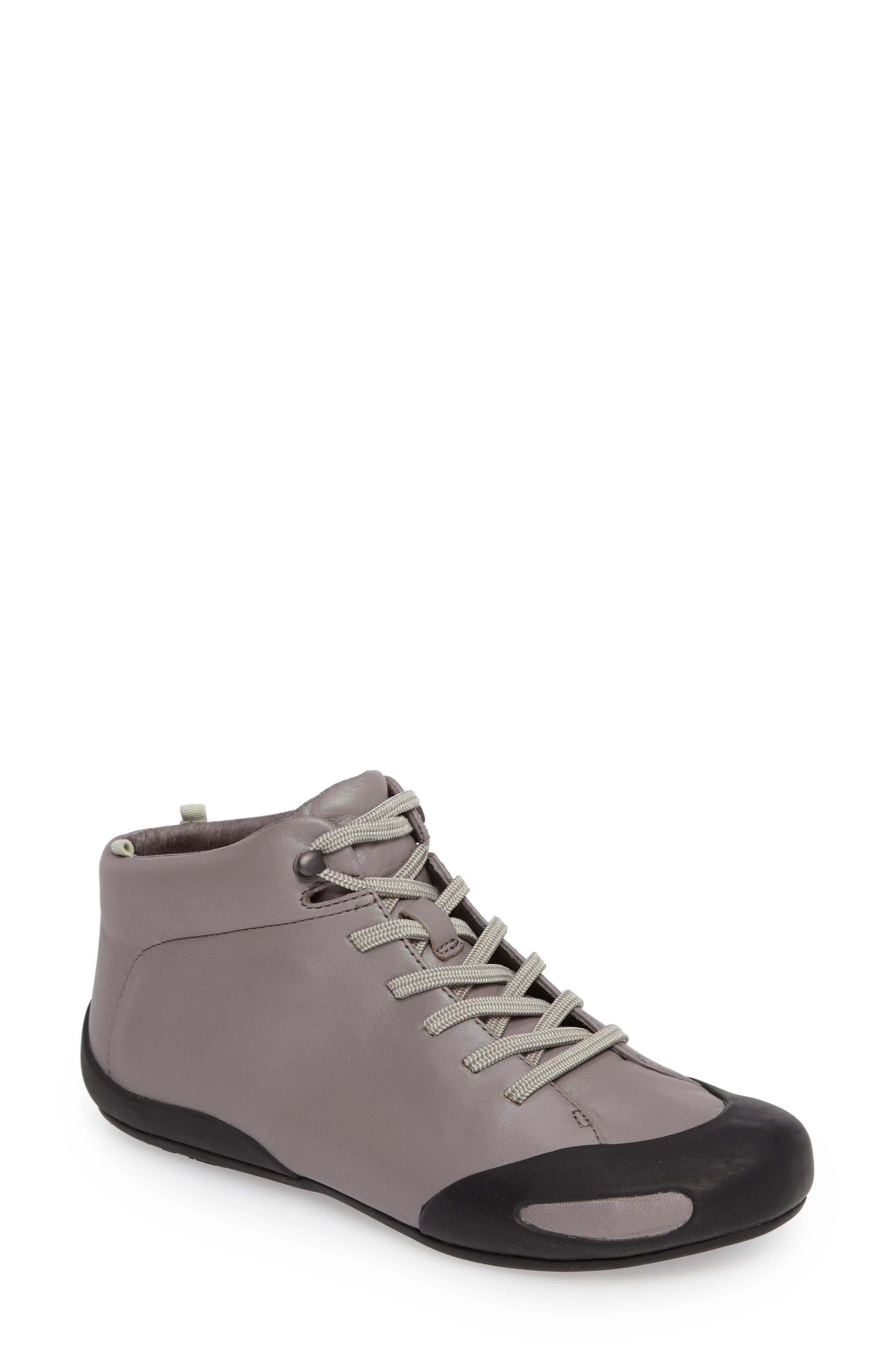 Peu Senda Sneaker,                         Main,                         color, Medium Grey Leather