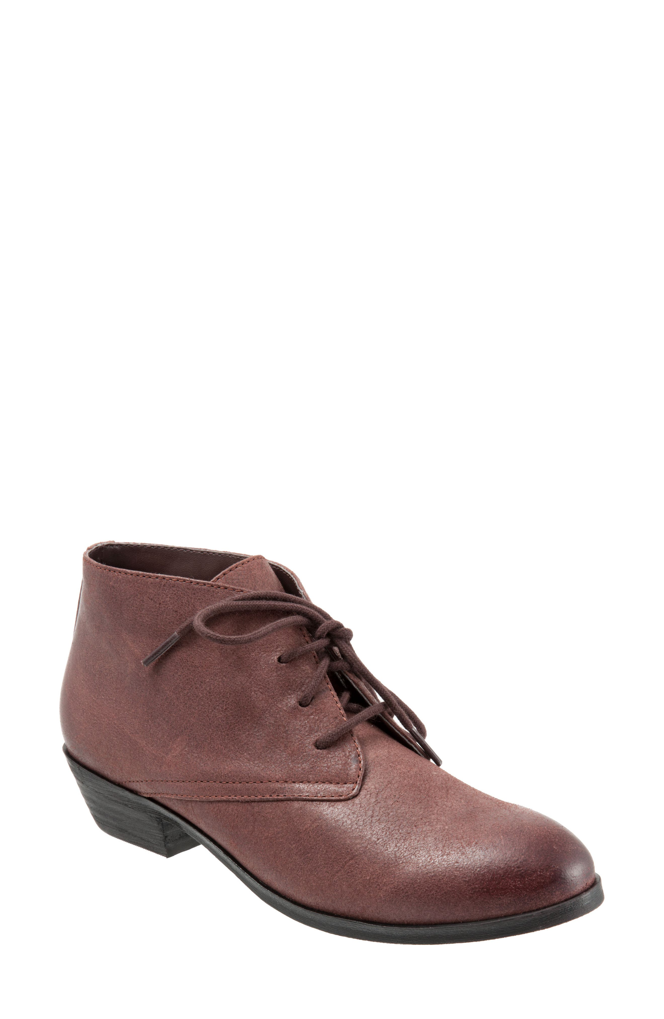 SoftWalk® 'Ramsey' Chukka Boot (Women)
