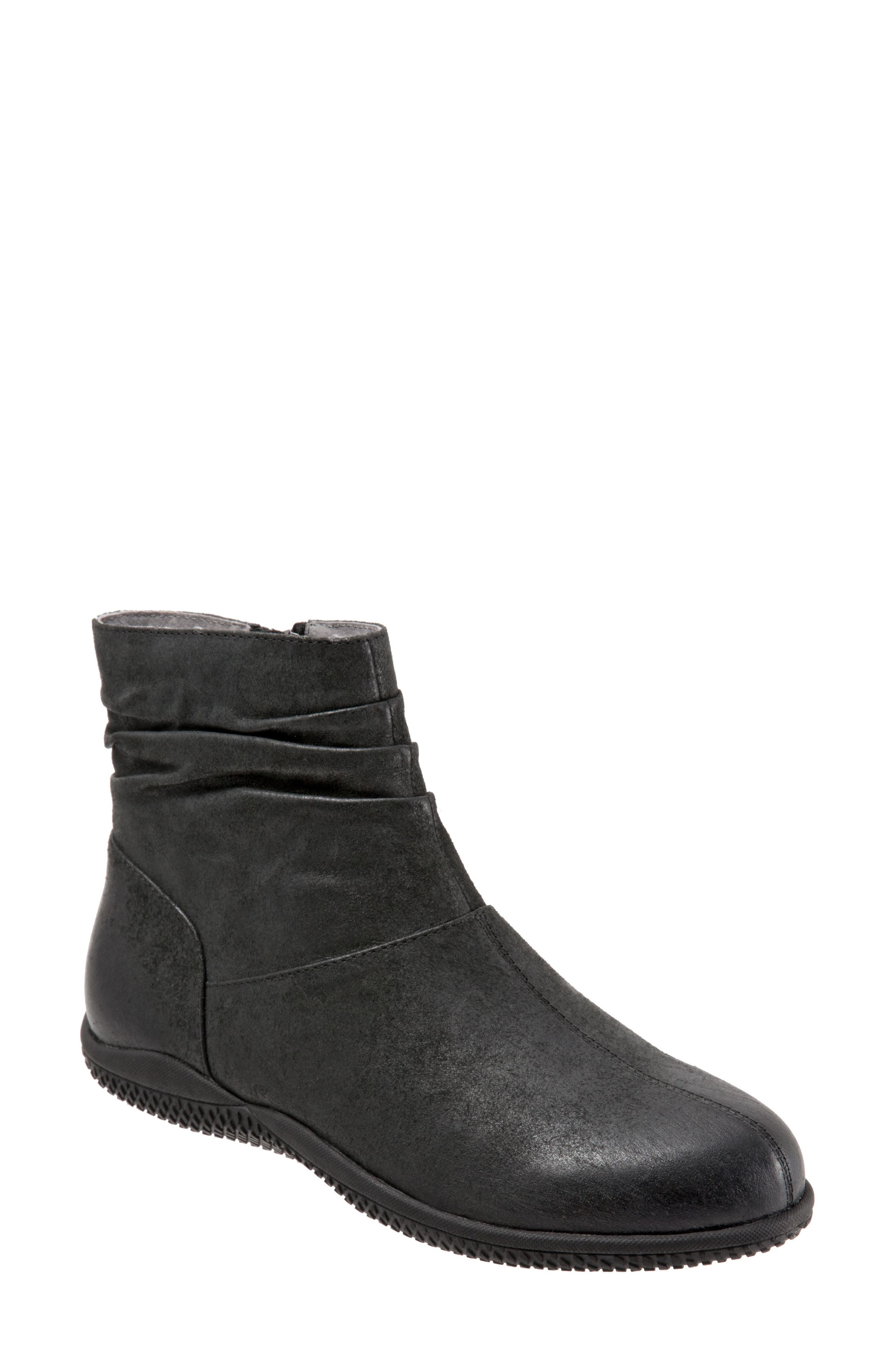 SoftWalk® 'Hanover' Leather Boot (Women)