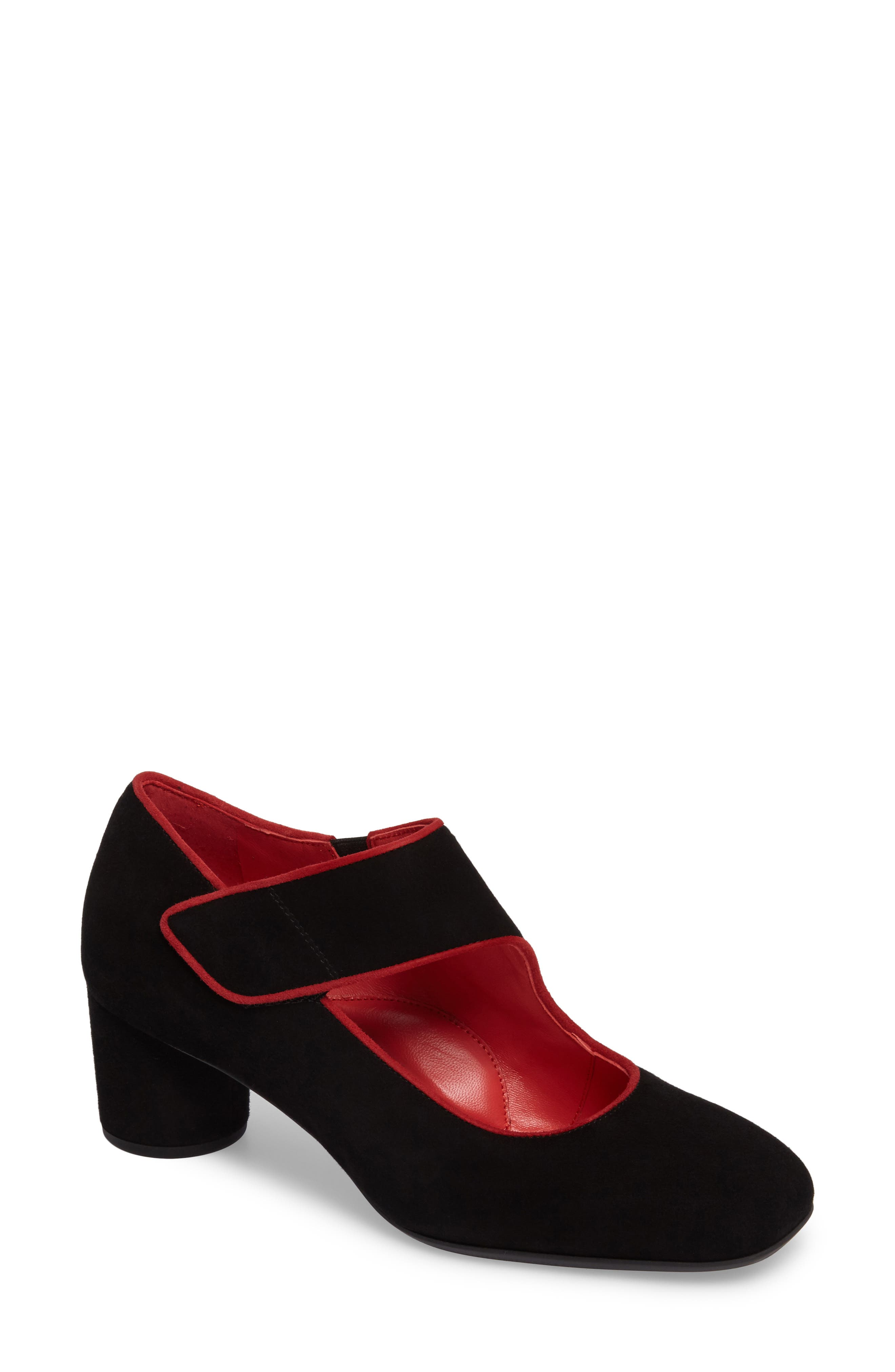 Pas de Rouge Mary Jane Pump (Women)