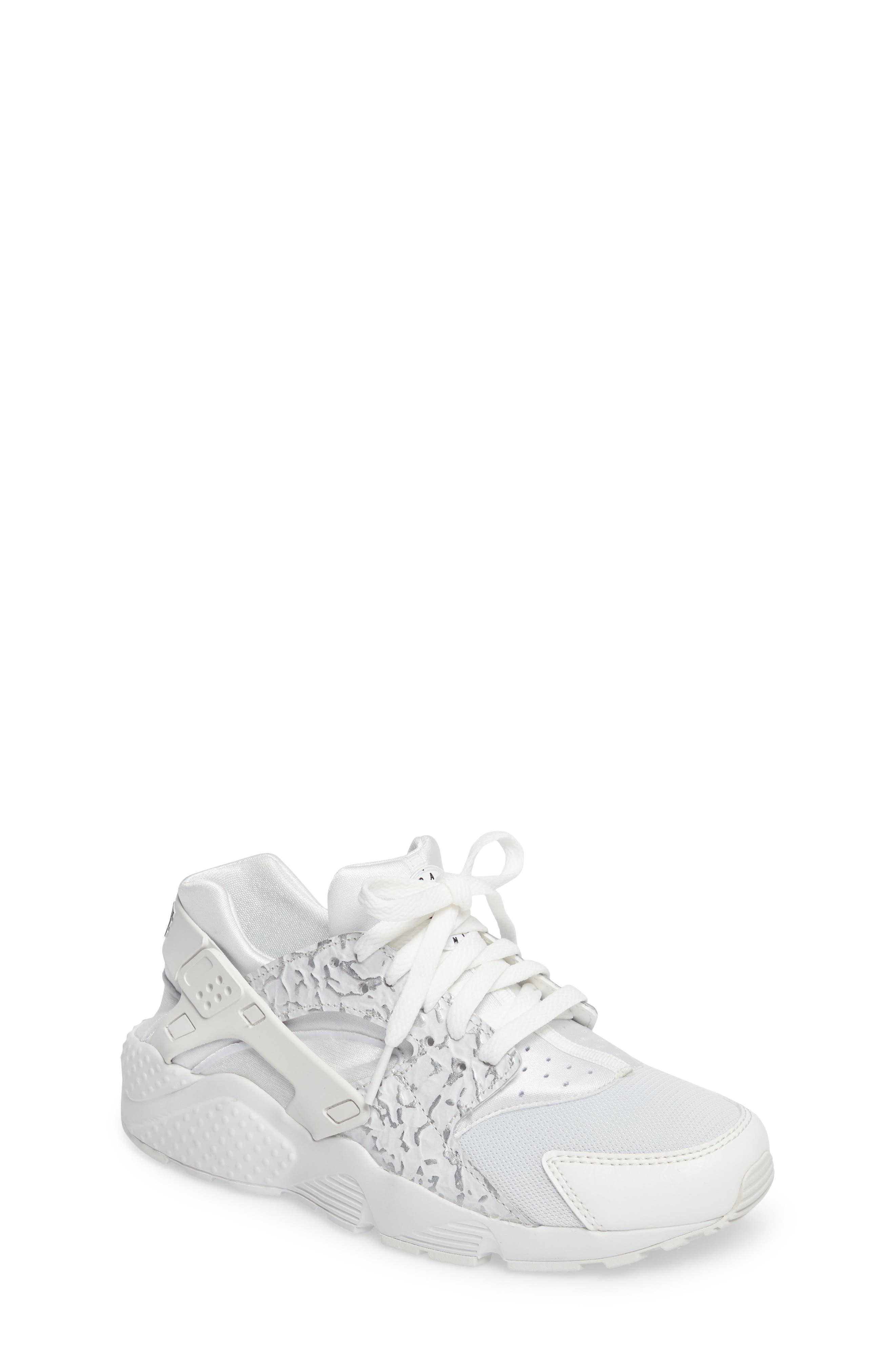 Nike Huarache Run SE Sneaker (Big Kid)
