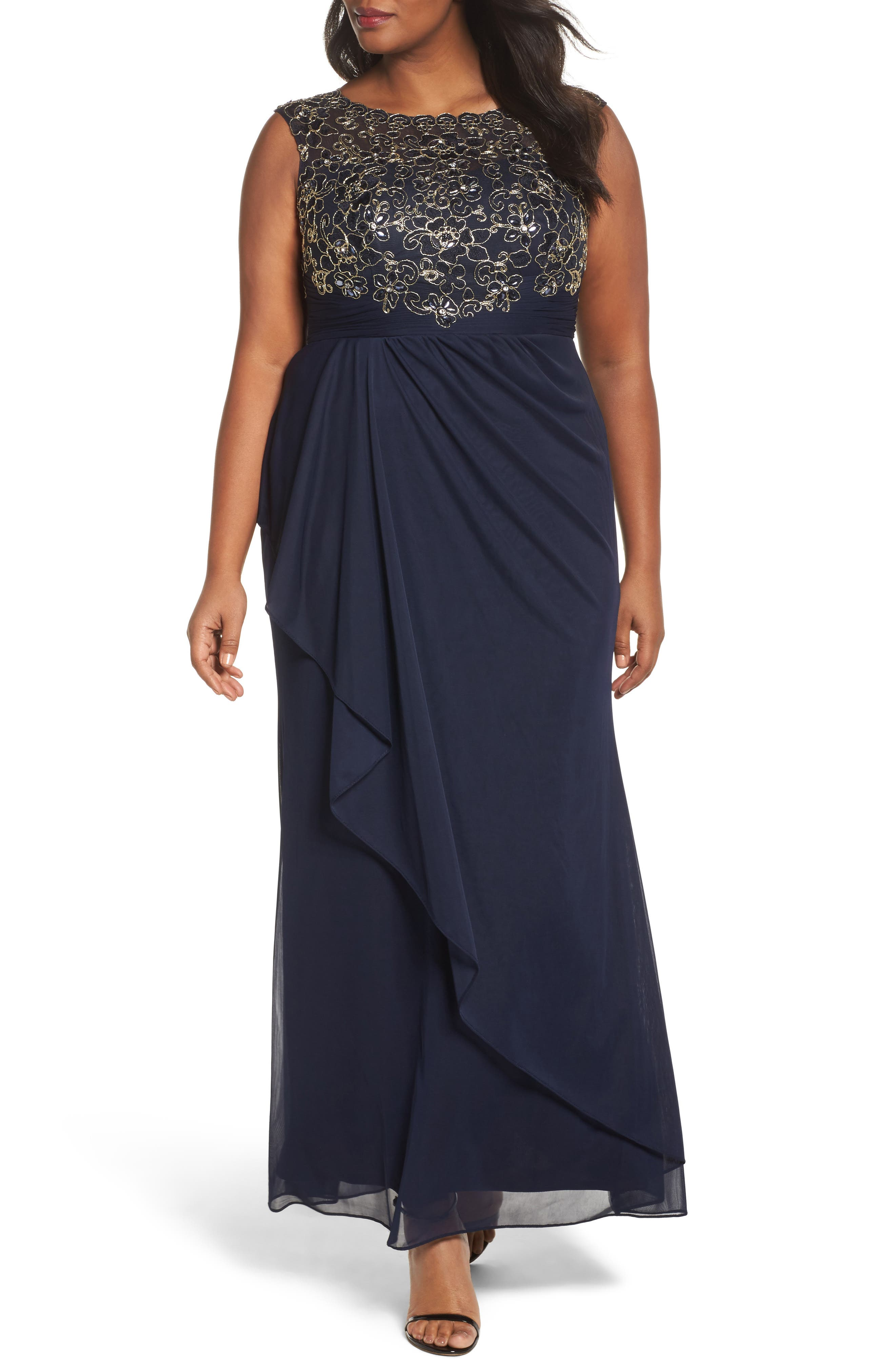 Main Image - Decode 1.8 Embroidered Cap Sleeve Gown (Plus Size)