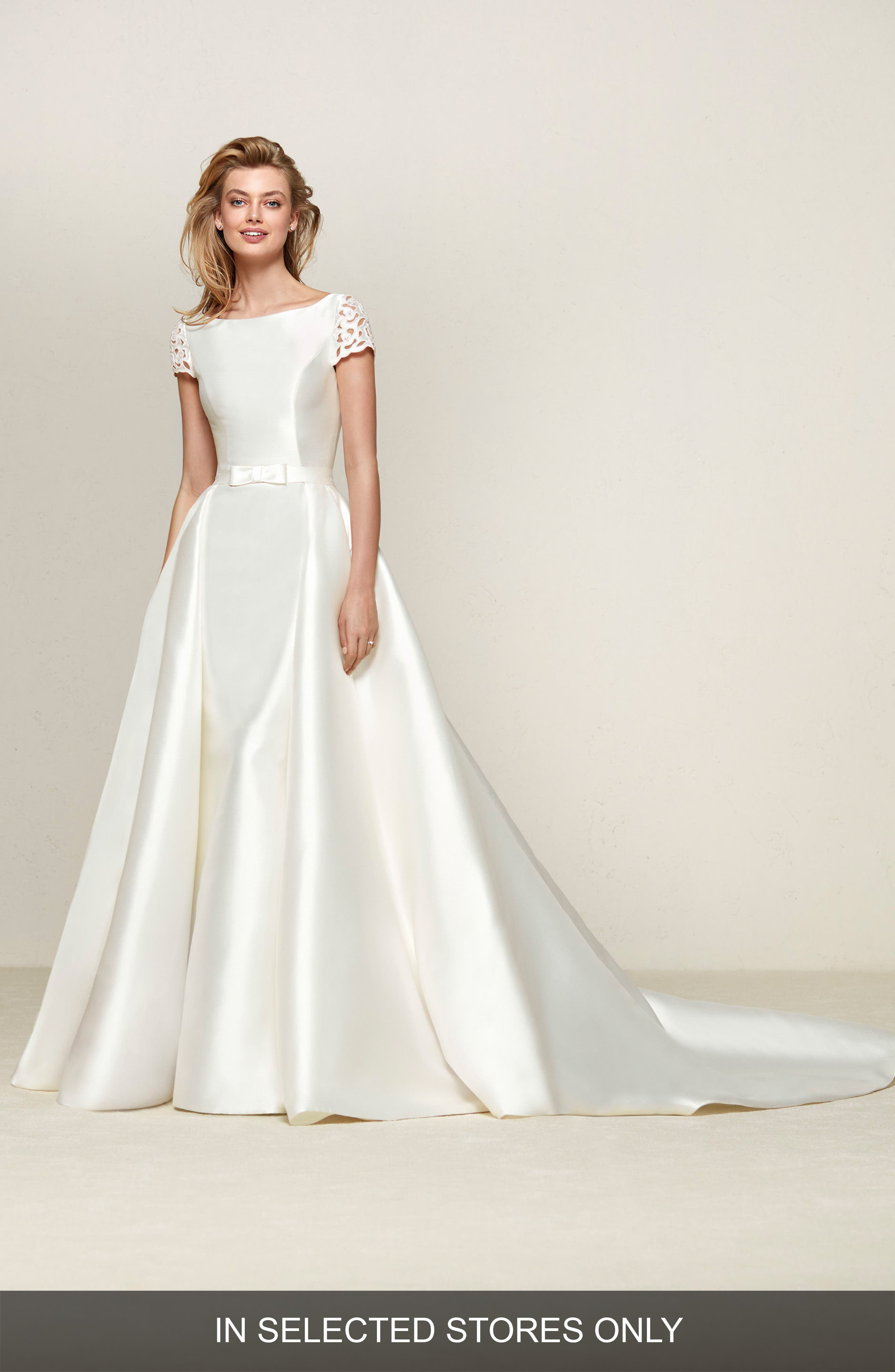 Alternate Image 1 Selected - Pronovias Drasila Eyelet Sleeve Mikado Ballgown