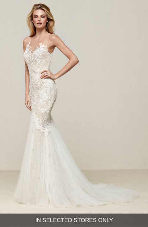 df9a837f96 Pronovias Drinam Lace   Tulle Mermaid Gown