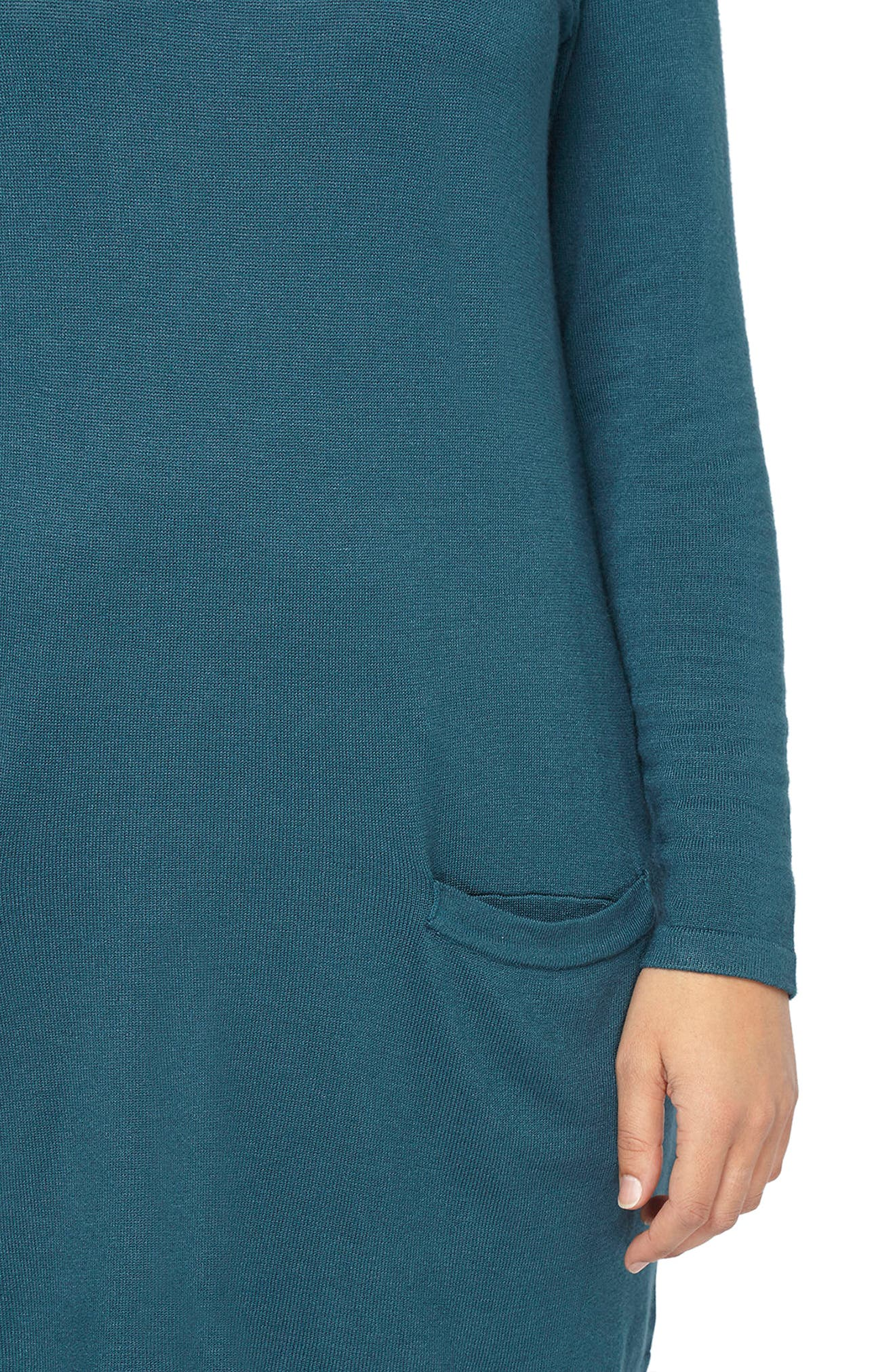 Alternate Image 4  - Evans Front Pocket Textured Tunic Sweater (Plus Size)