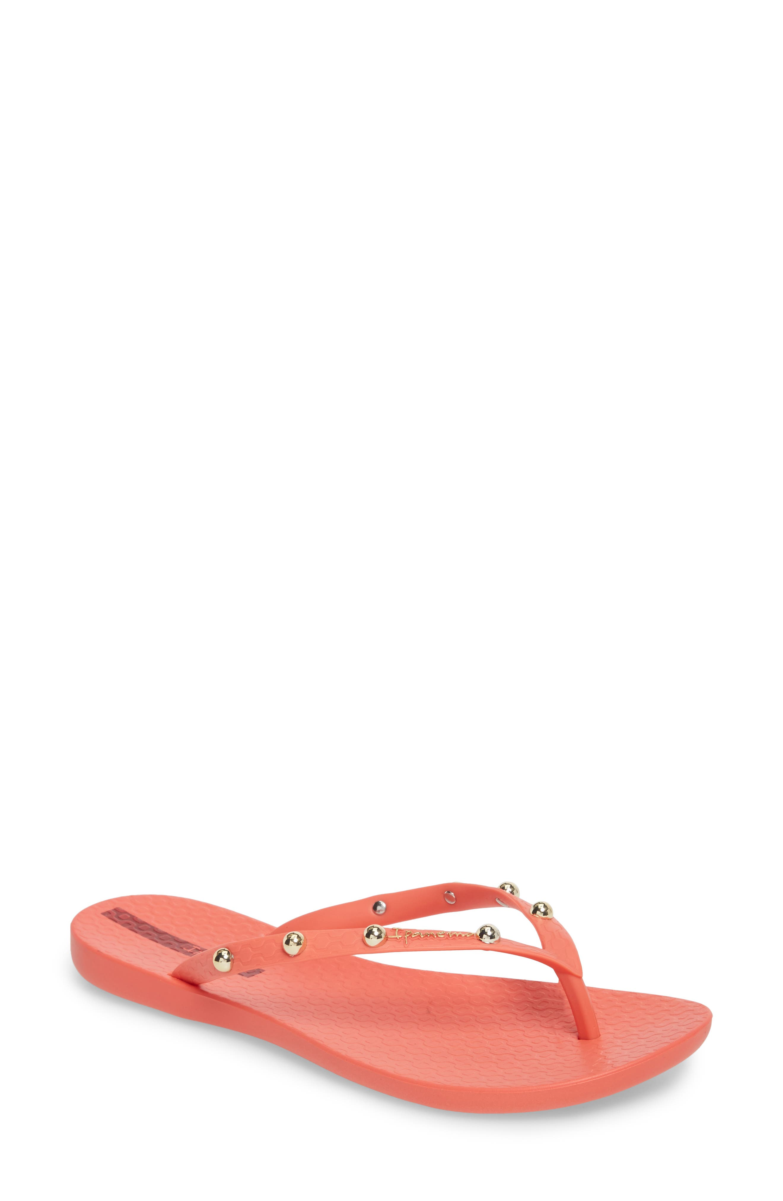 Main Image - Ipanema Wave Studs Flip Flop (Women)