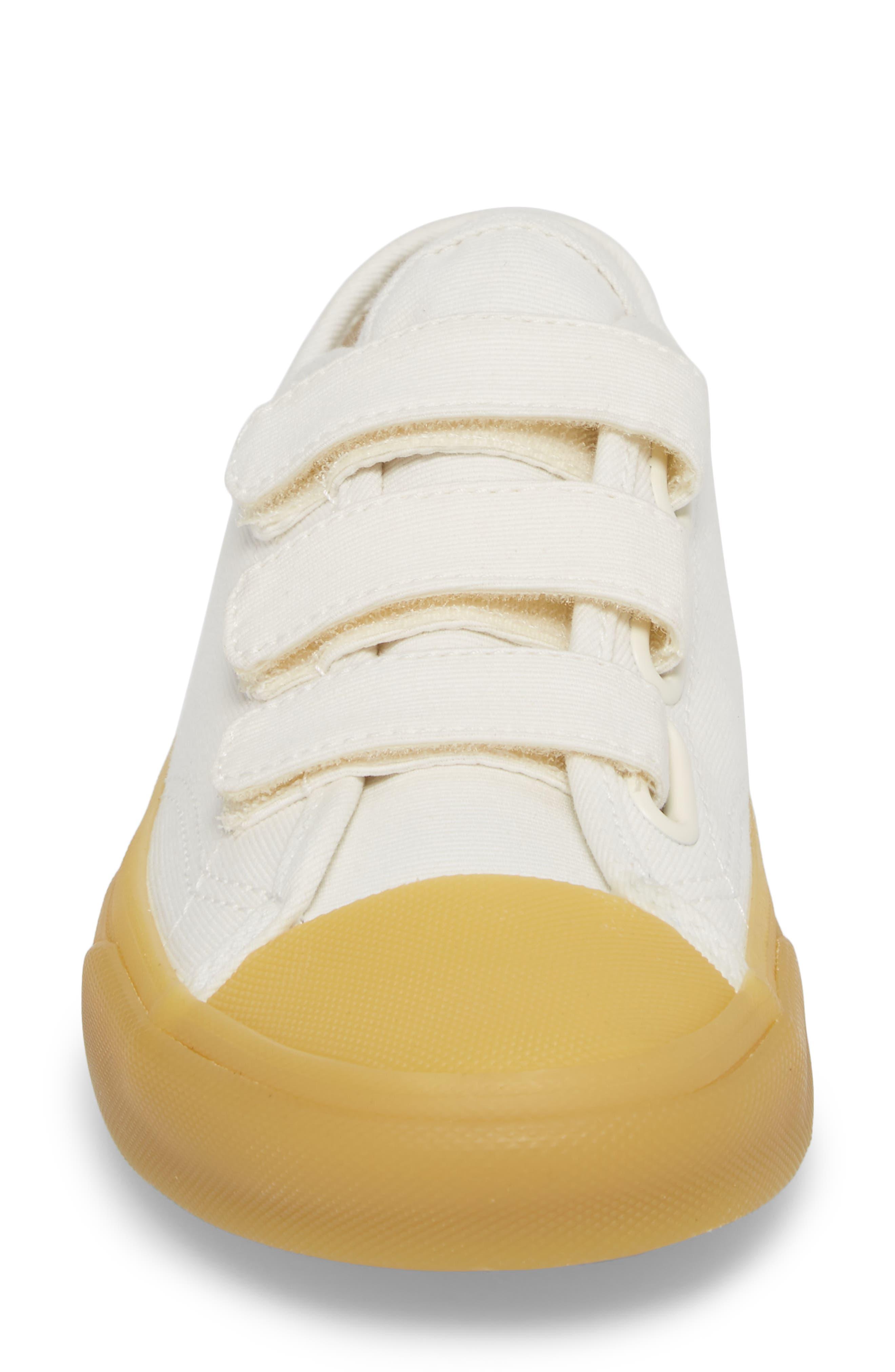 Alternate Image 4  - Vans Style 23 V Sneaker (Women)