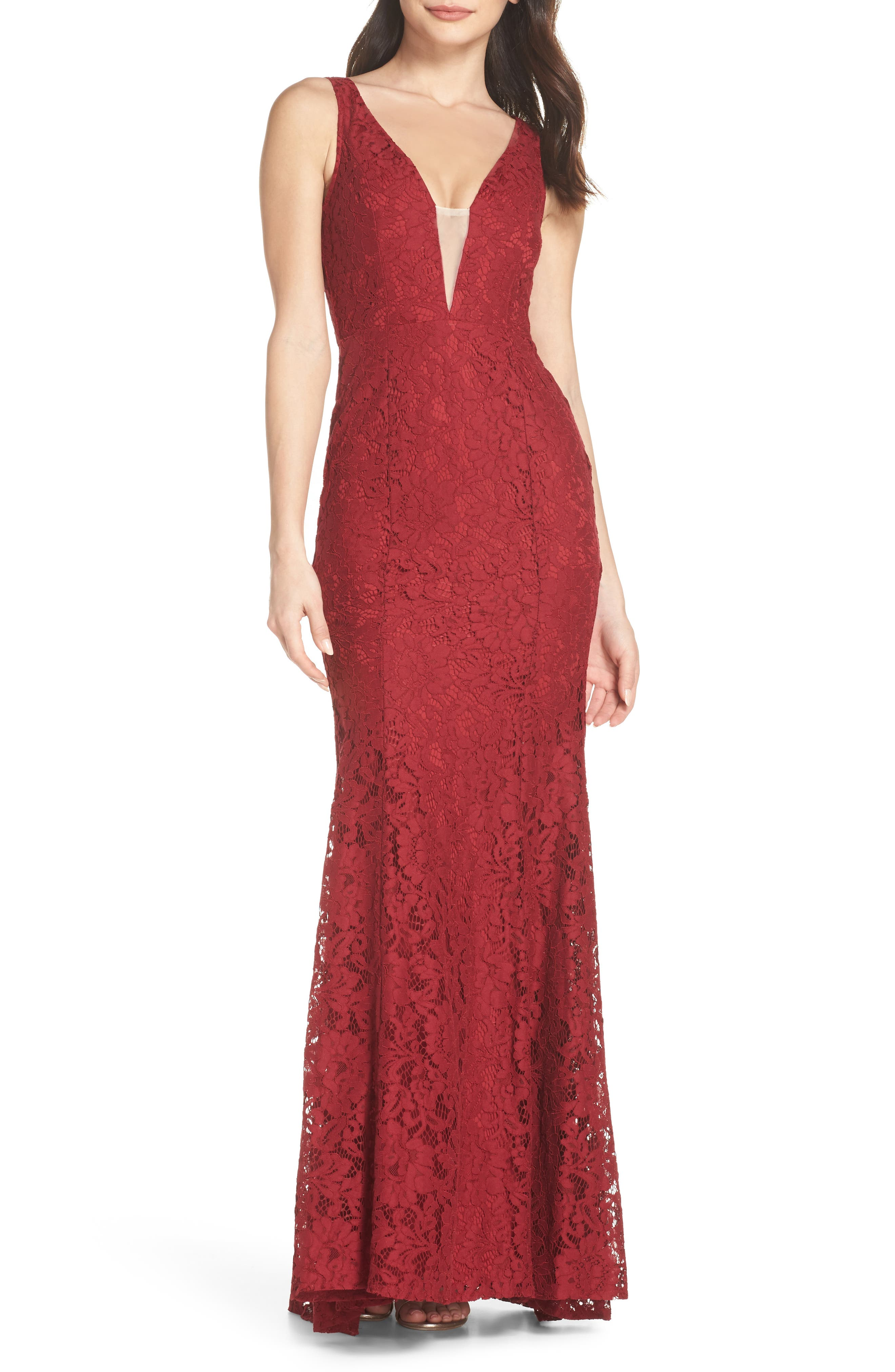 Main Image - Lulus Plunging Neckline Lace Trumpet Gown