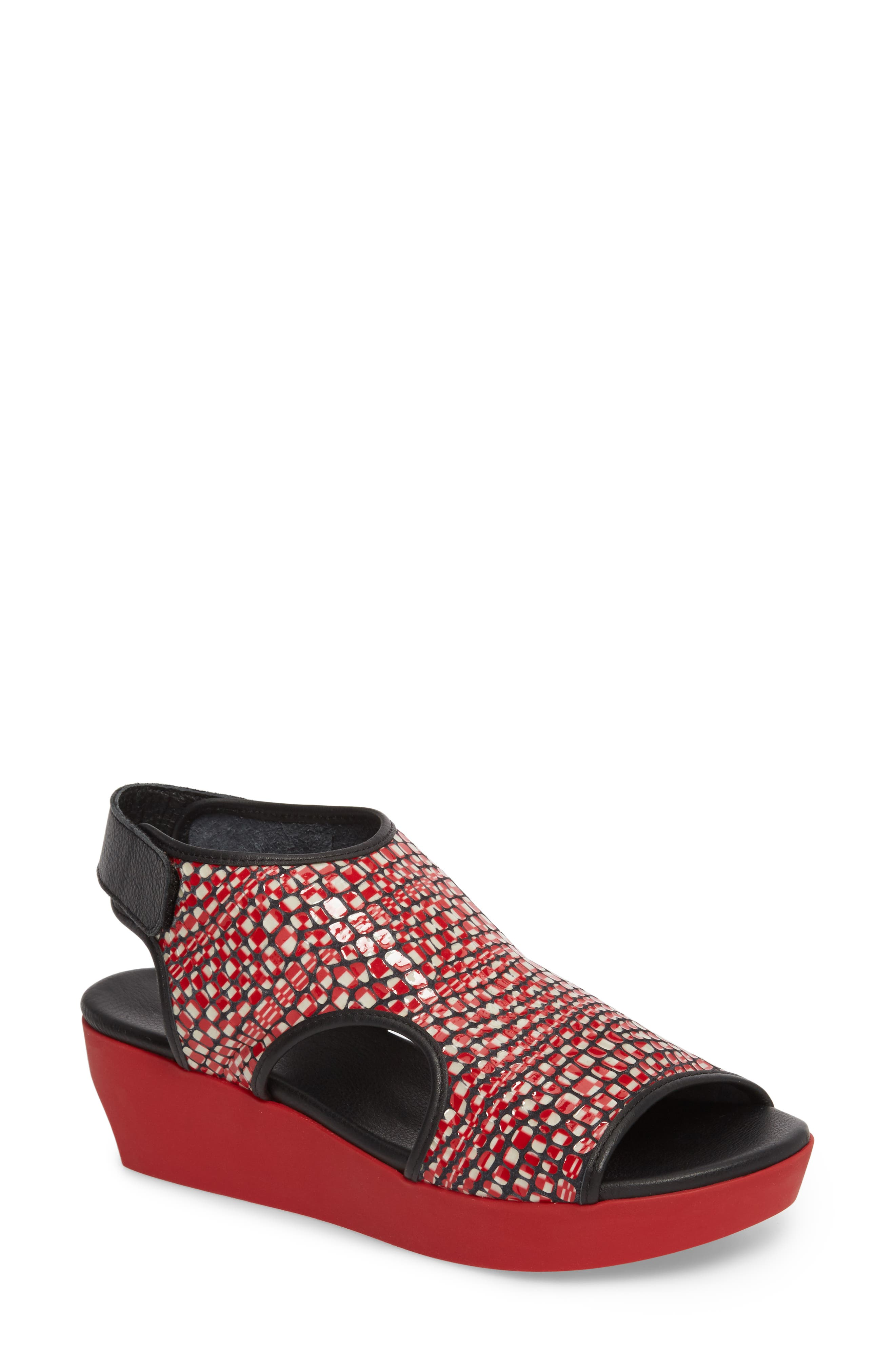 Naka Popa Wedge Sandal,                         Main,                         color, Noir/ Rosso Leather
