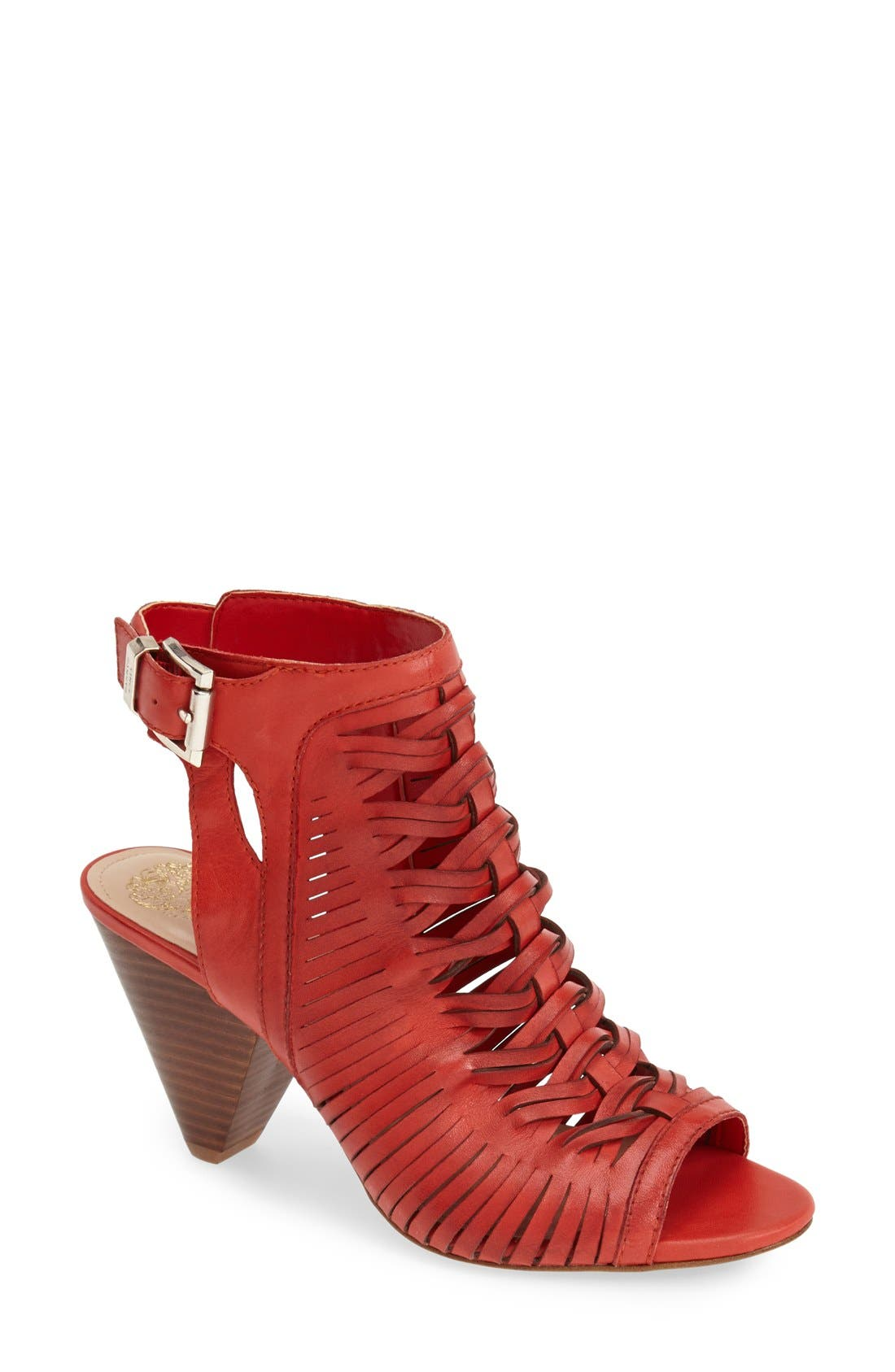 Alternate Image 1 Selected - Vince Camuto 'Emore' Leather Sandal (Women) (Nordstrom Exclusive)