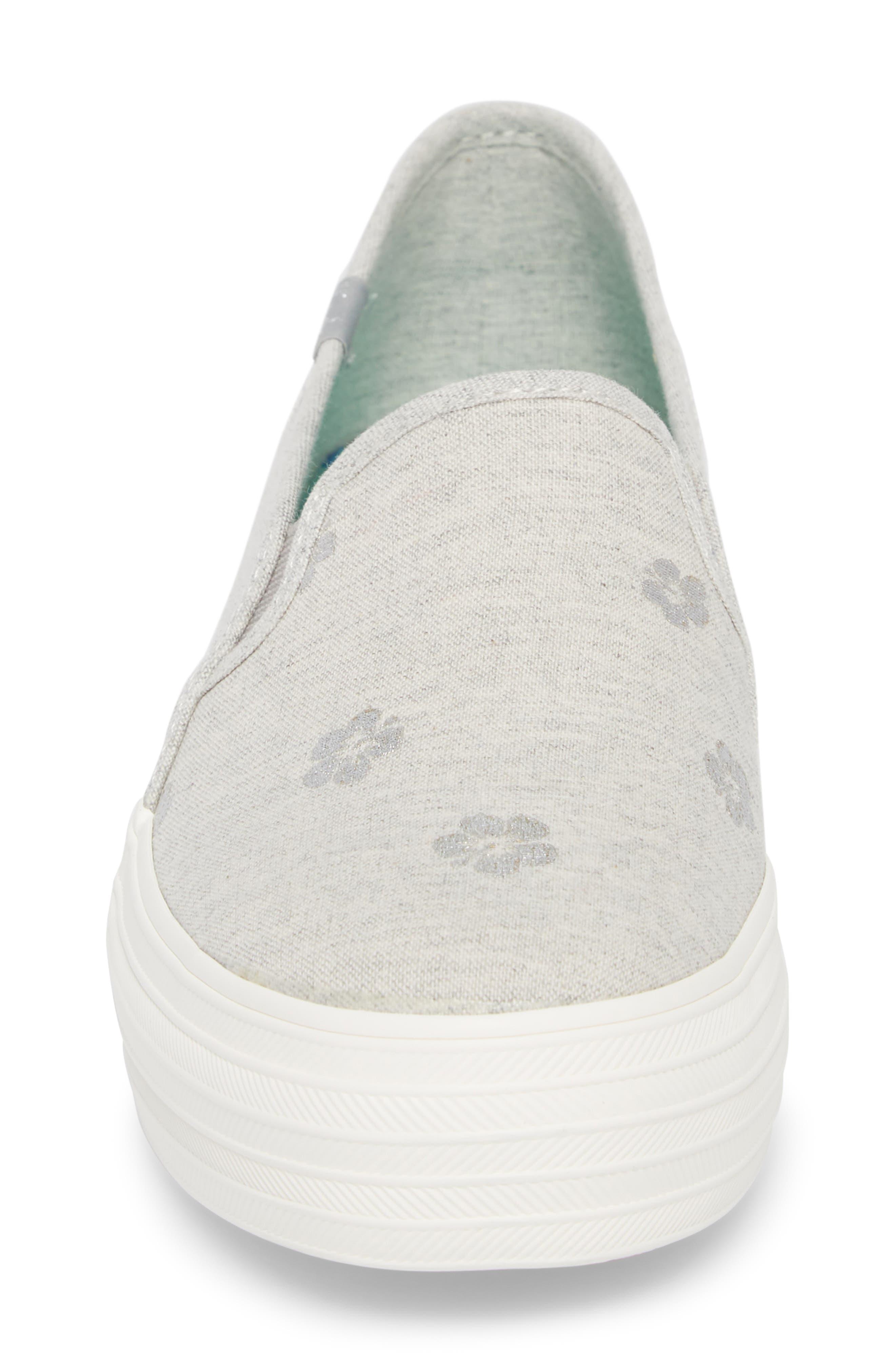 Triple Decker Hibiscus Slip-On Platform Sneaker,                             Alternate thumbnail 4, color,                             Light Grey