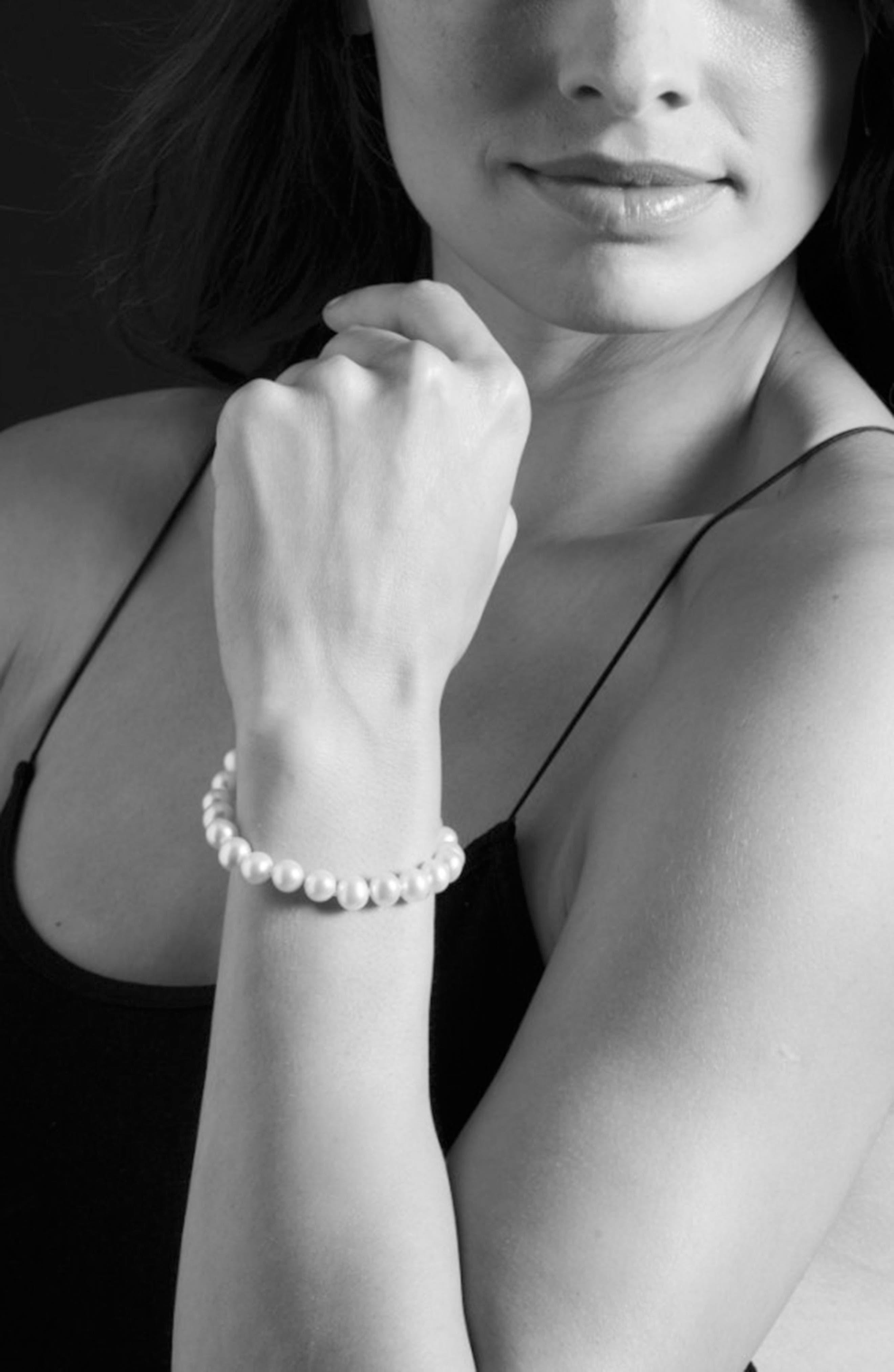 'Luna' 7.5mm Pearl Bracelet,                             Alternate thumbnail 3, color,                             Silver/ Pearl