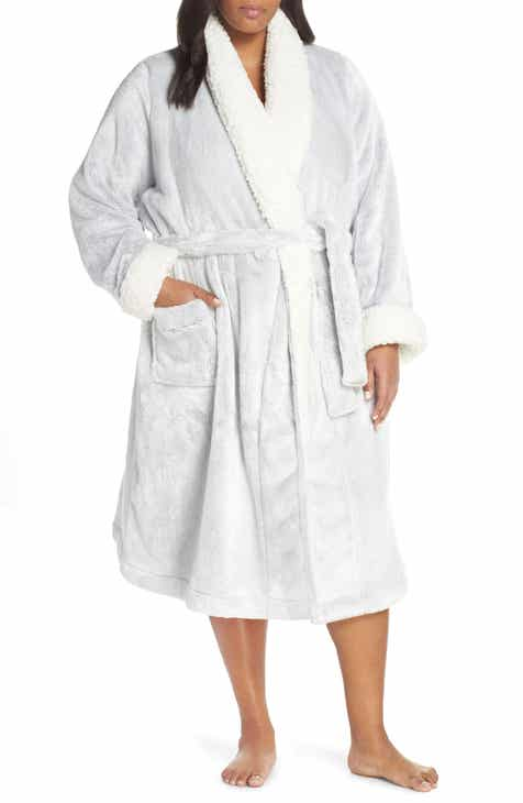 138101ea48 Nordstrom Lingerie Frosted Plush Robe (Plus Size)