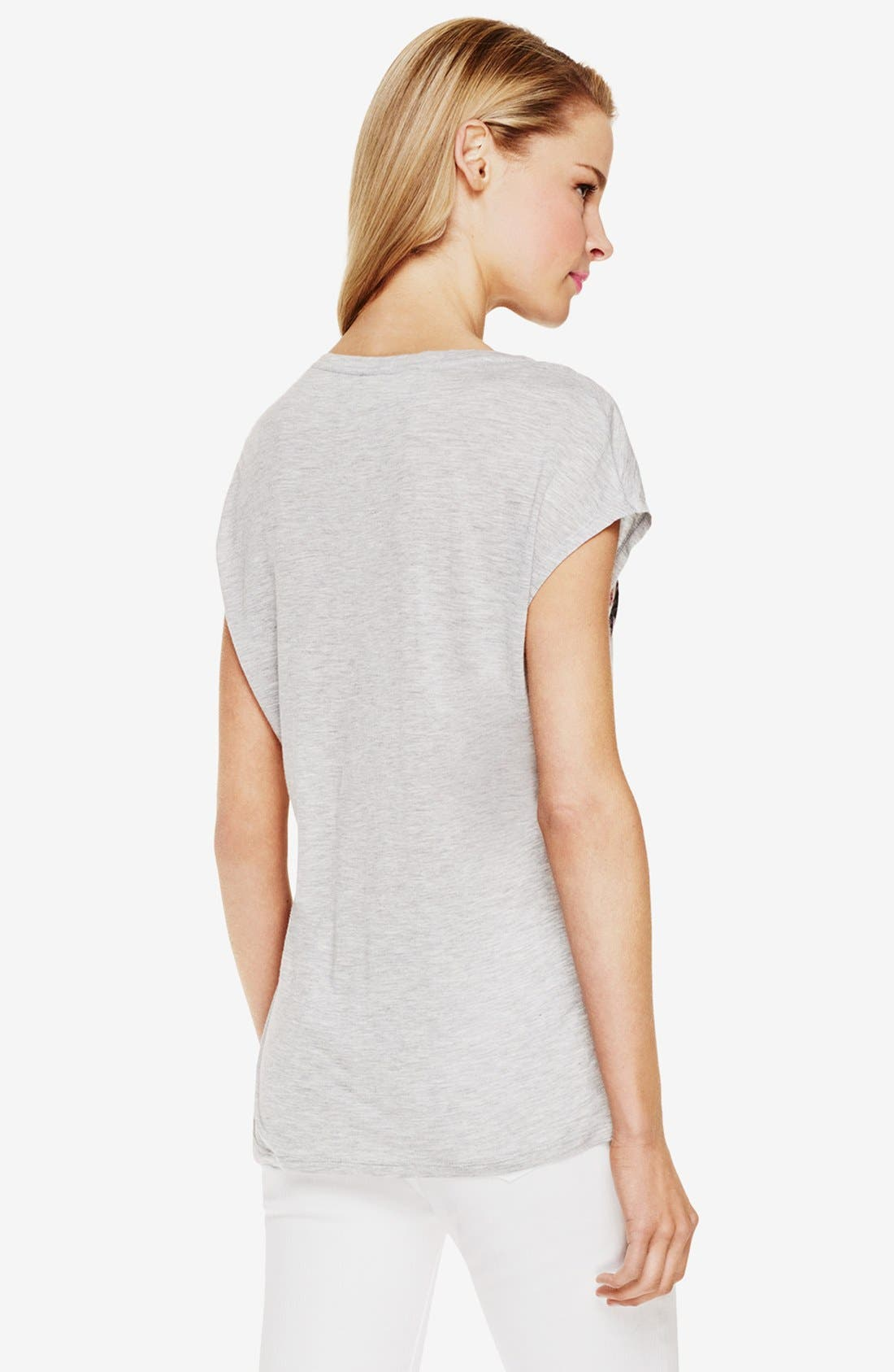 Alternate Image 2  - Two by Vince Camuto Print V-Neck Tee