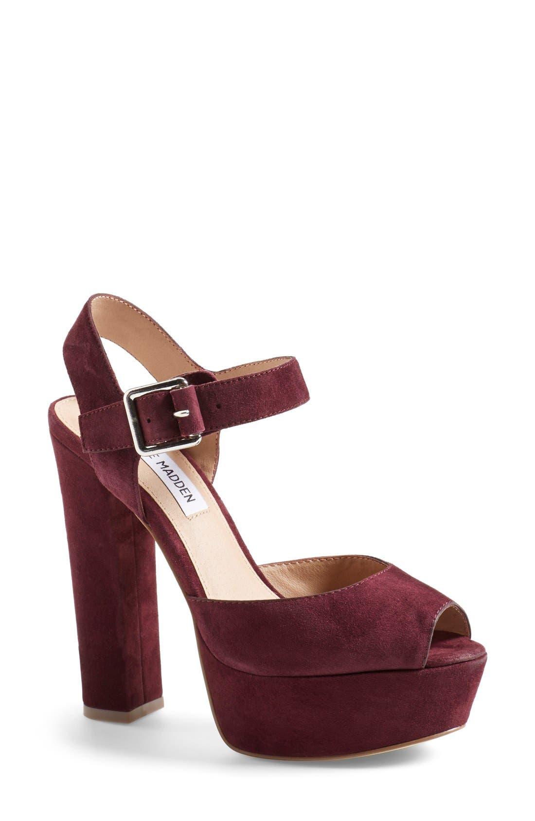Alternate Image 1 Selected - Steve Madden 'Jillyy' Platform Sandal (Women)