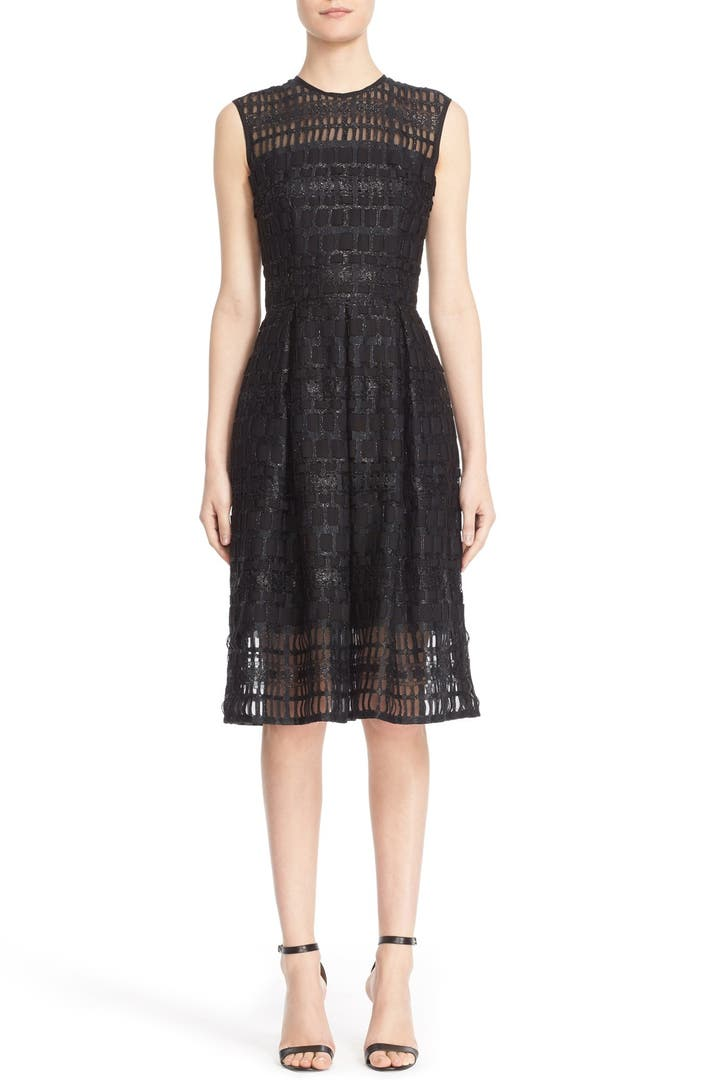Carmen Marc Valvo Couture Sleeveless Lace Organza Fit