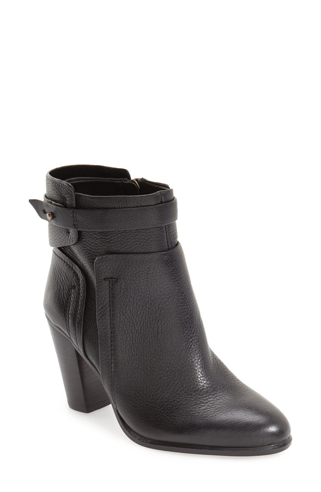 Alternate Image 1 Selected - Vince Camuto 'Faythe' Bootie (Women)