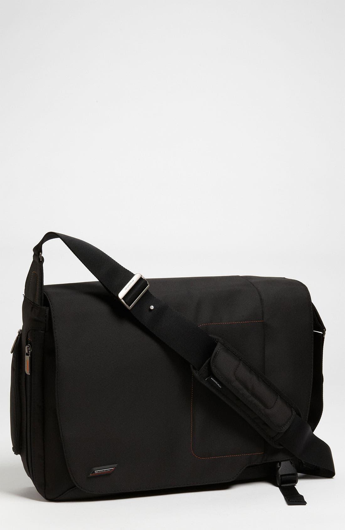 Main Image - Briggs & Riley 'Verb - Grow' Expandable Water Resistant Messenger Bag
