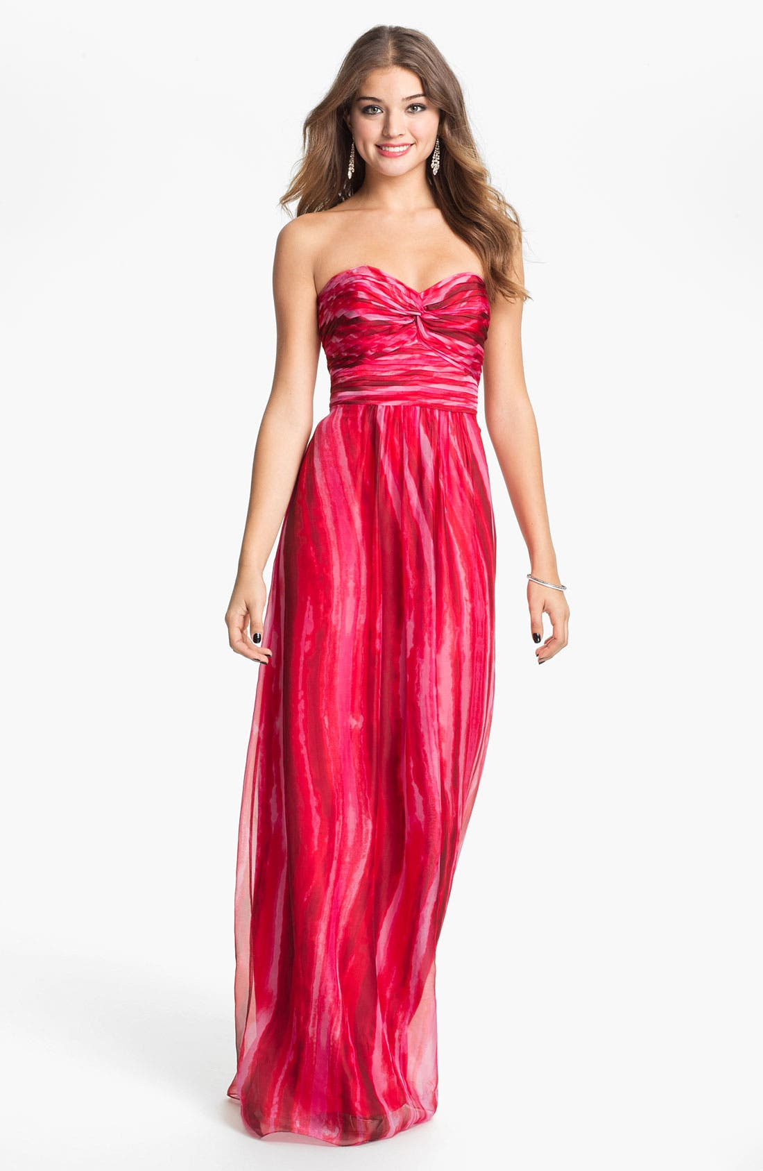 Main Image - Laundry by Shelli Segal Strapless Twist Front Chiffon Gown