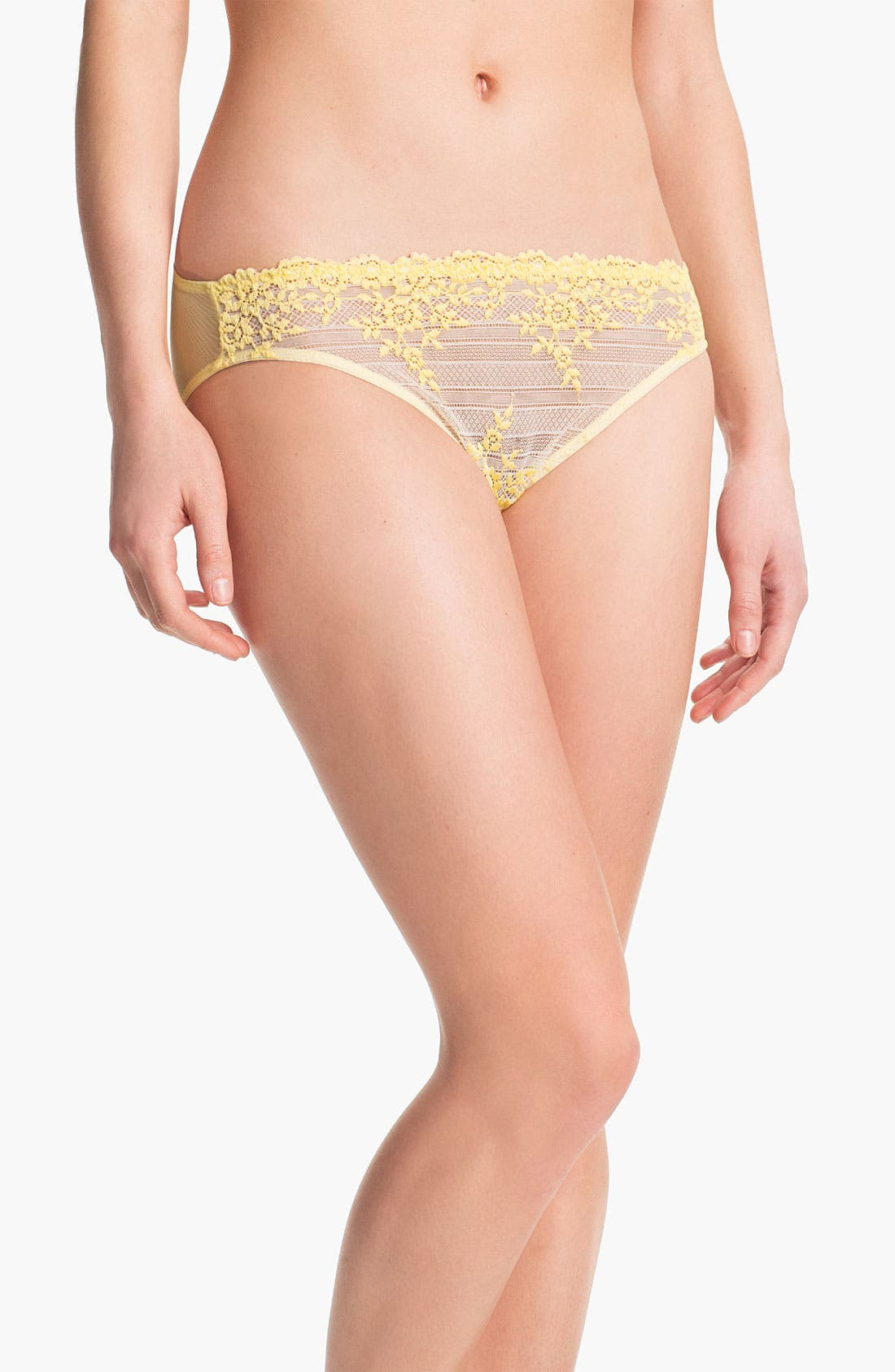 Main Image - Wacoal 'Embrace' Lace Bikini