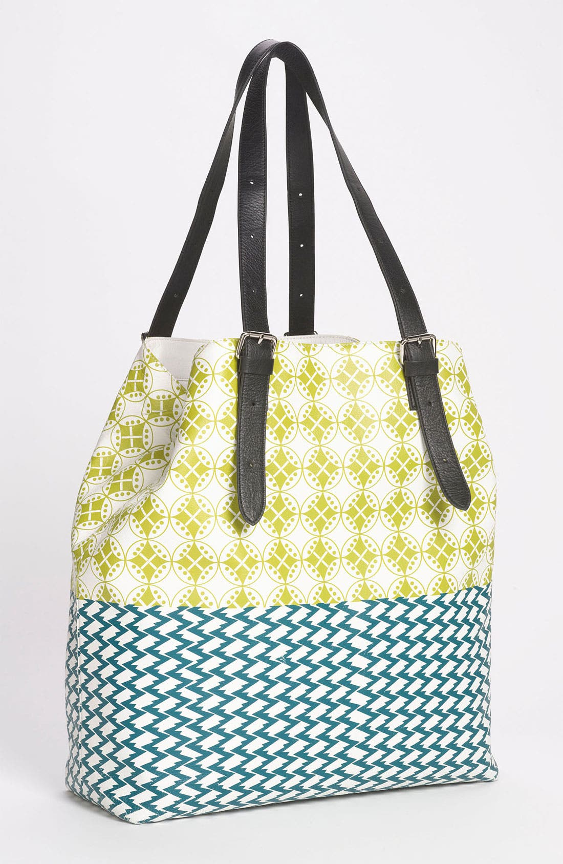 Main Image - Yarnz 'Bows & Arrows' Leather Tote